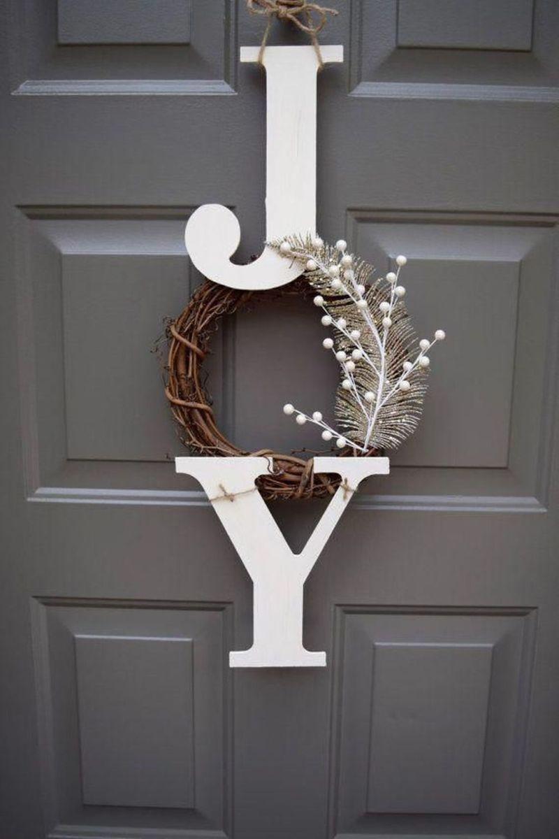 Gorgeous DIY Christmas Wreaths You Should Copy Now 11