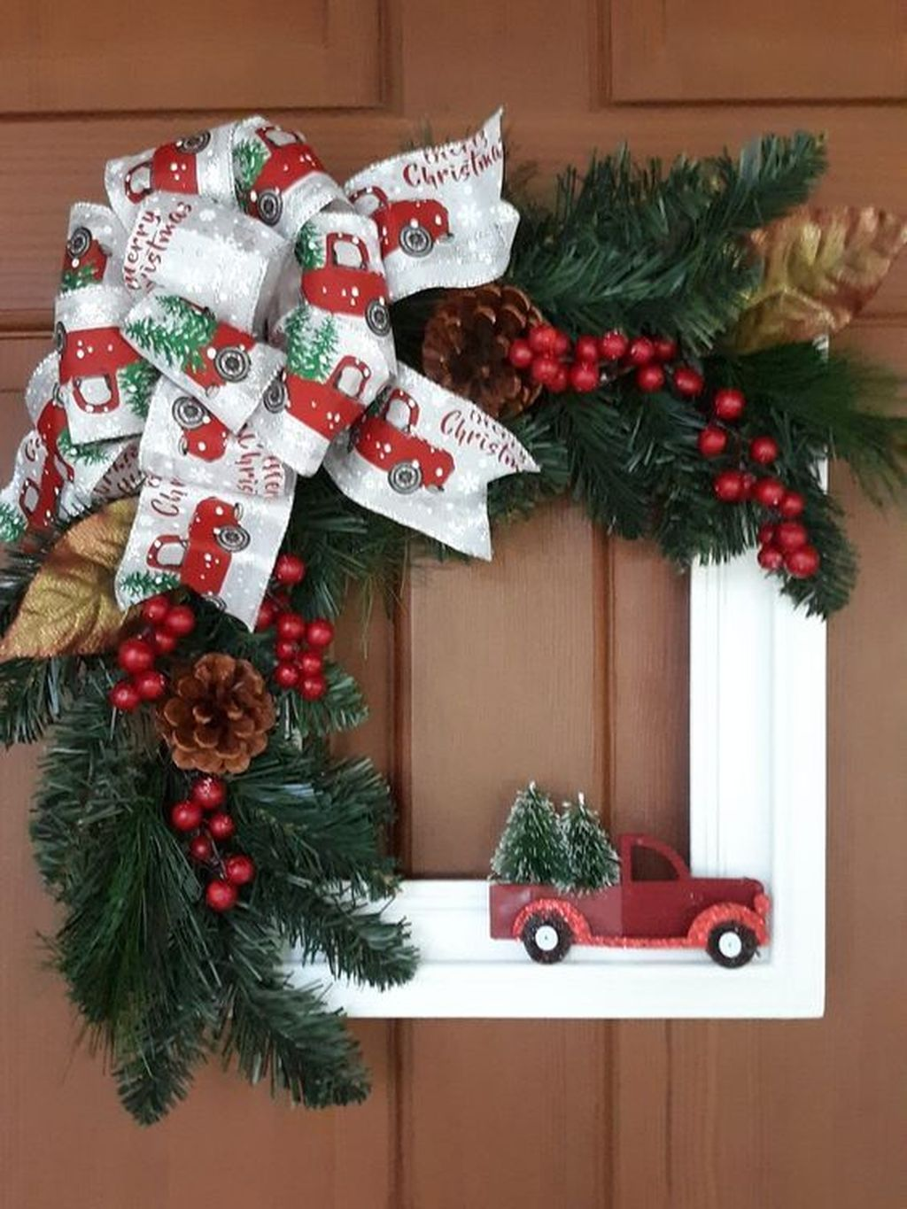 Gorgeous DIY Christmas Wreaths You Should Copy Now 22