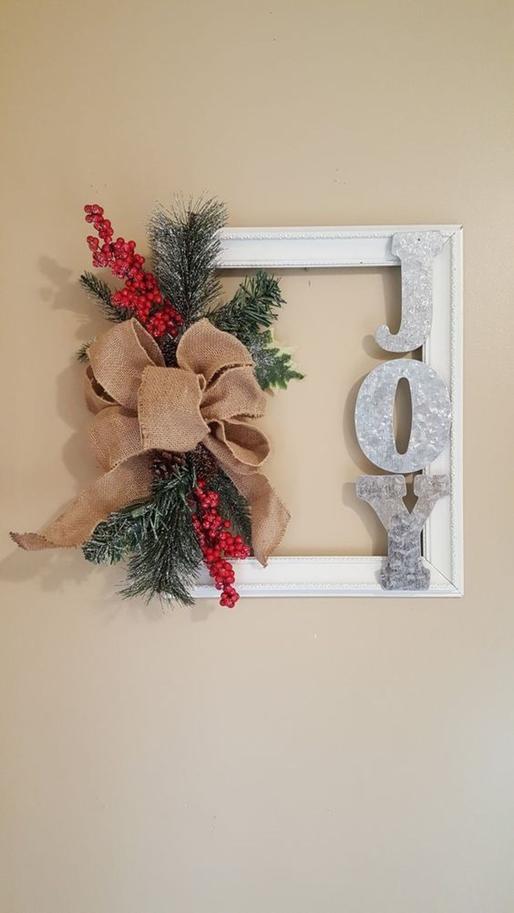 Gorgeous DIY Christmas Wreaths You Should Copy Now 24