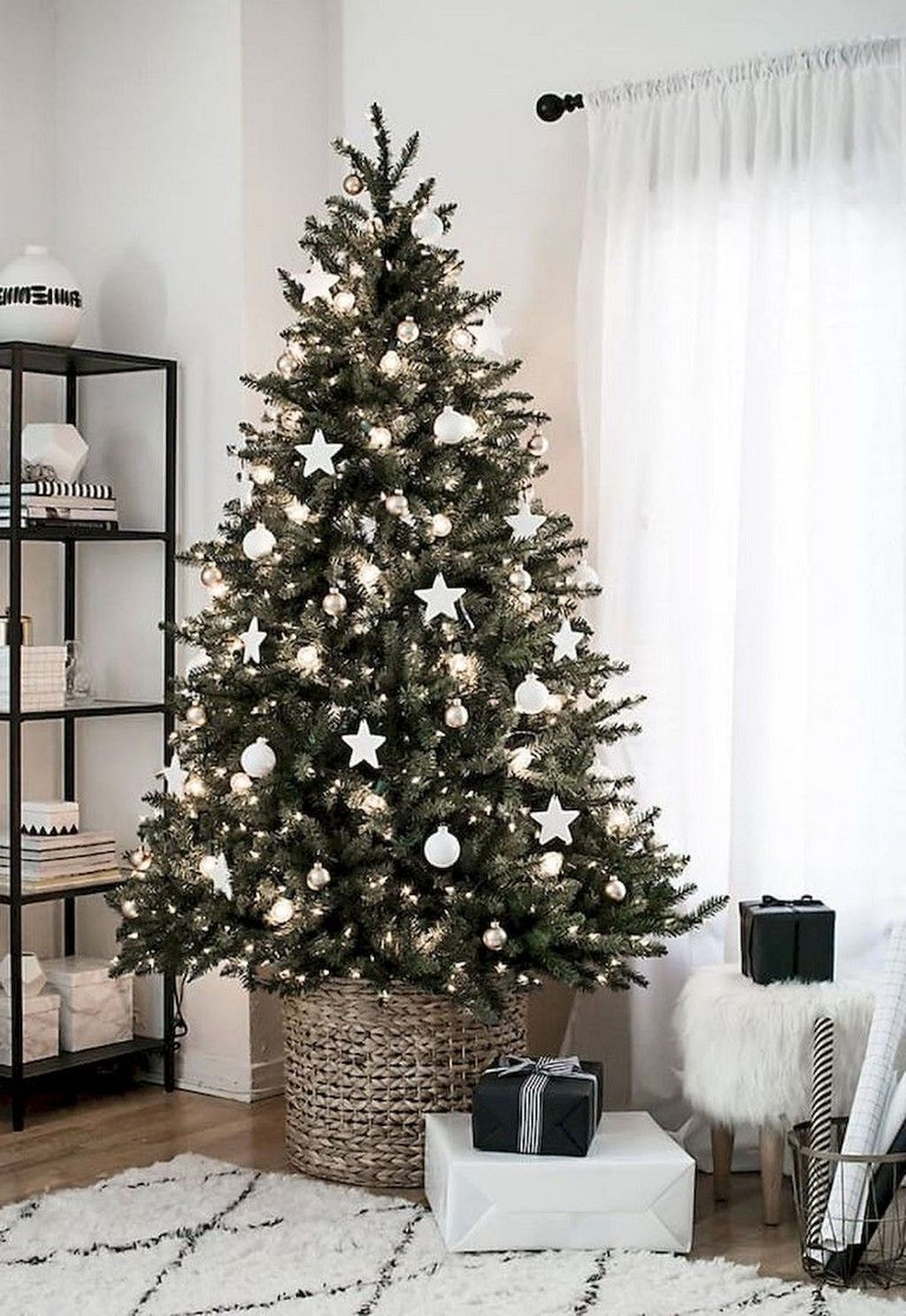 Nice Christmas Decoration Ideas For Apartment 23