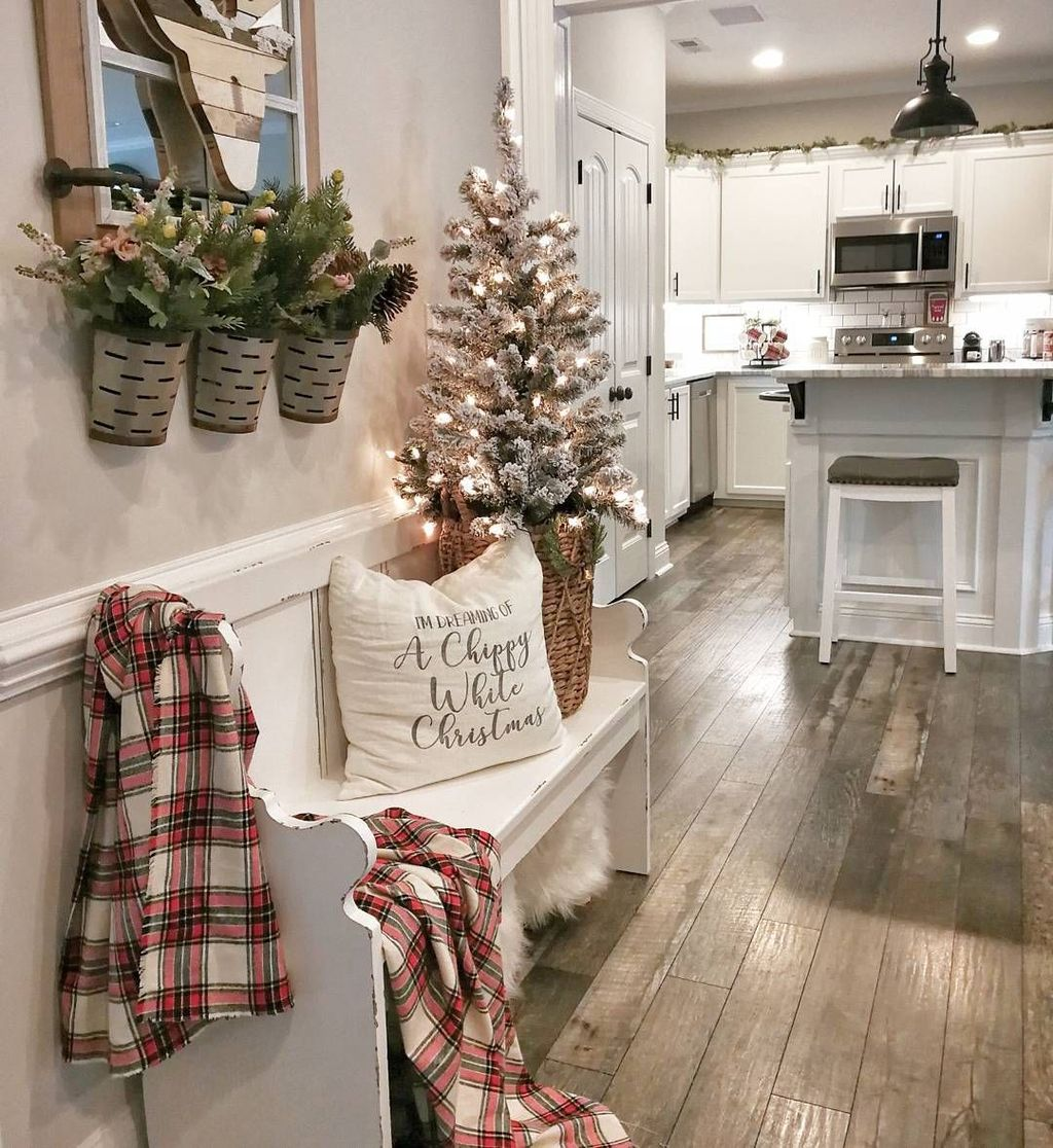 Popular Christmas Decor Ideas For Kitchen Island 16