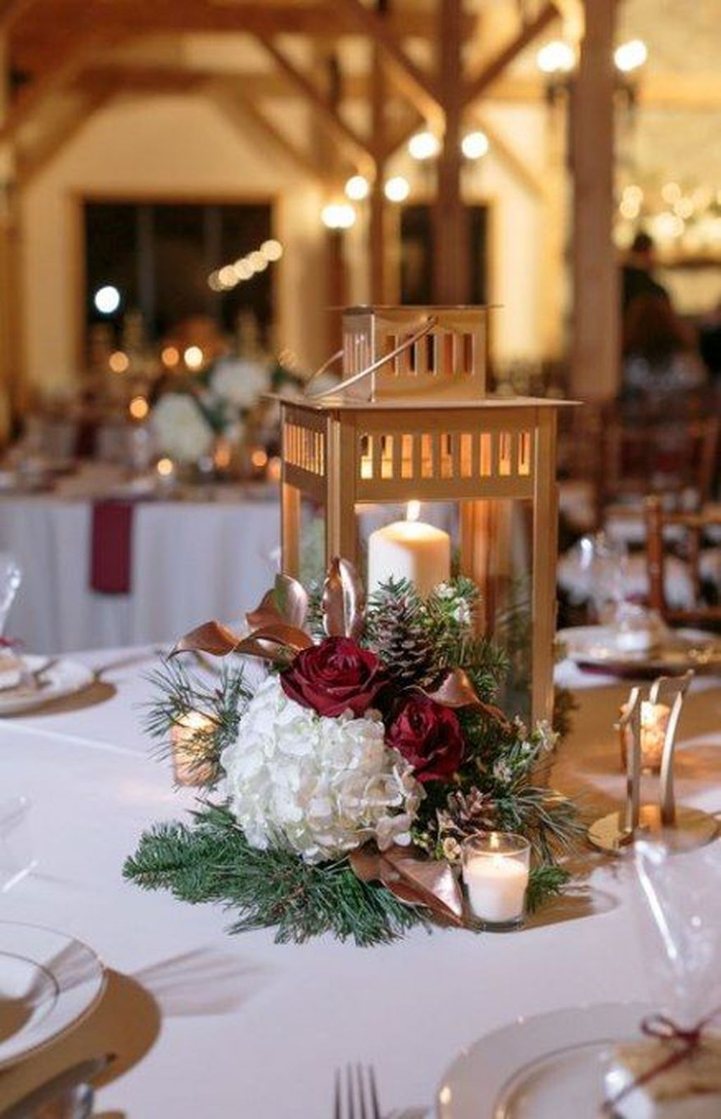 Popular Winter Table Centerpieces Ideas Best For Wedding 15