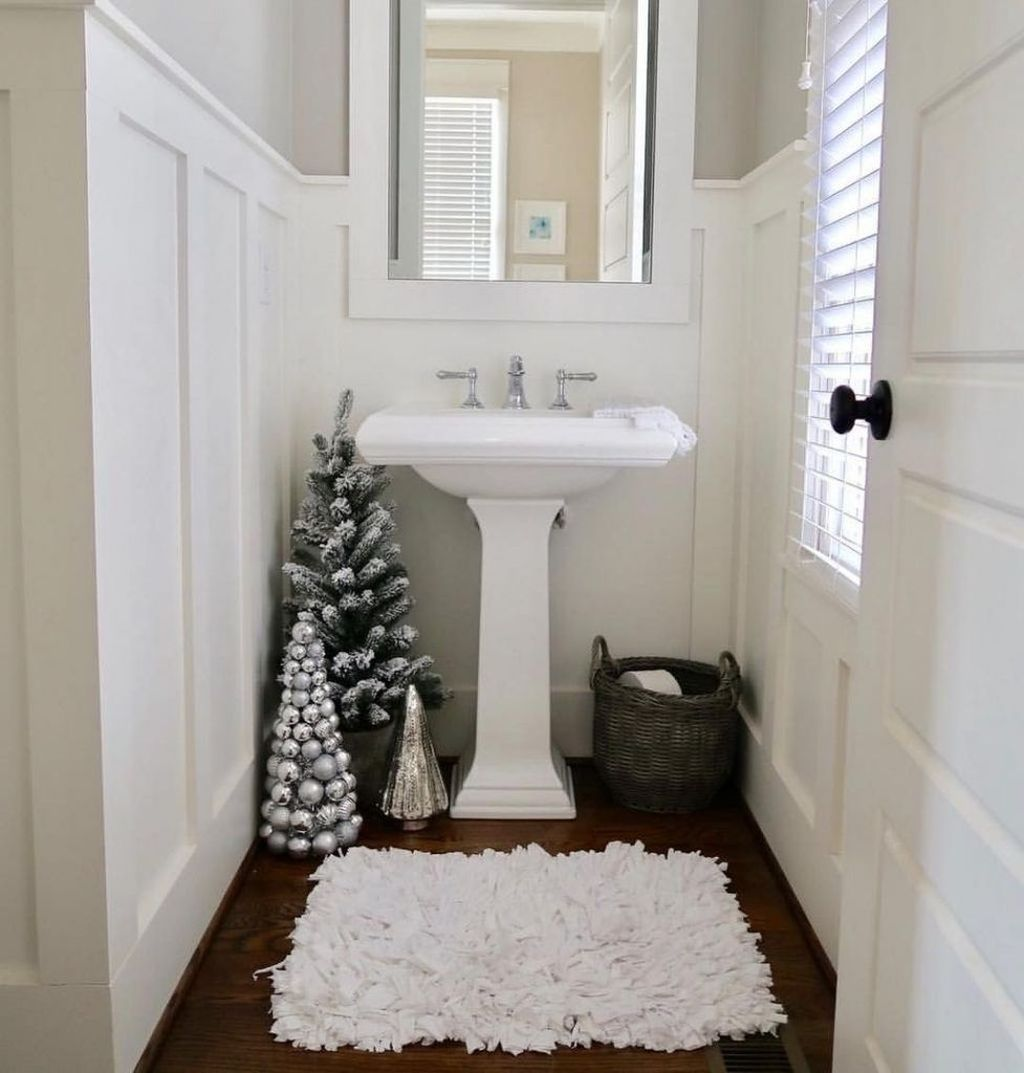 Stunning Winter Bathroom Decor Ideas 13