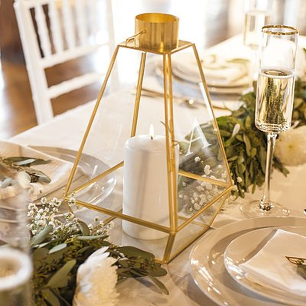 Stunning Winter Lantern Centerpieces For Wedding 27