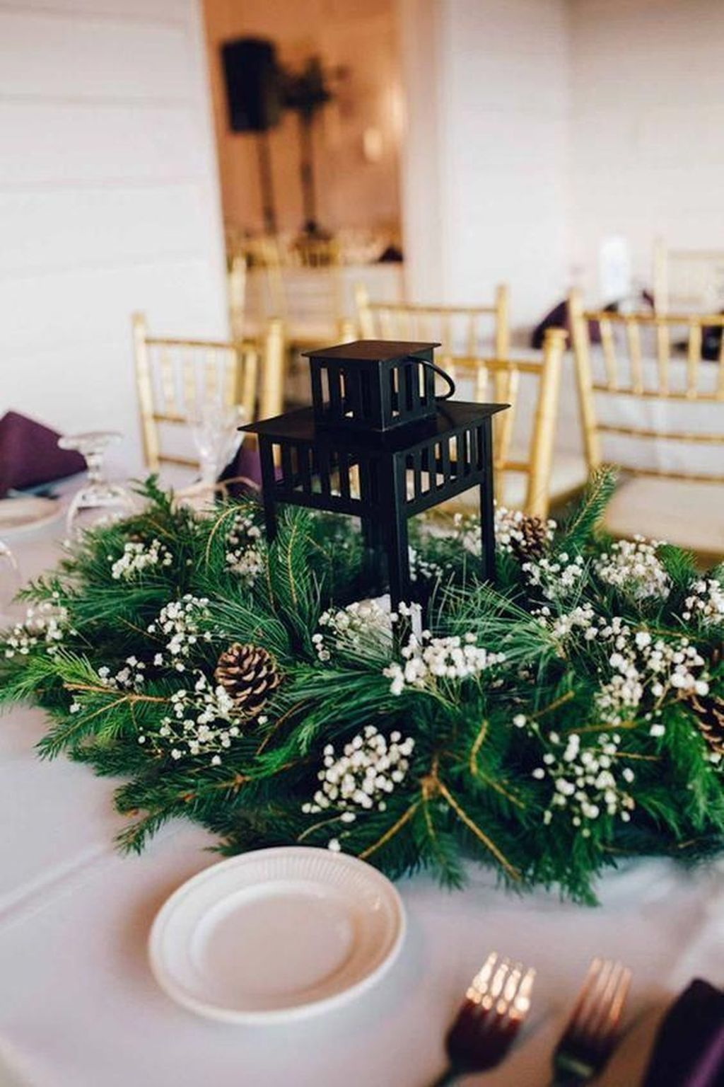 Stunning Winter Lantern Centerpieces For Wedding 30