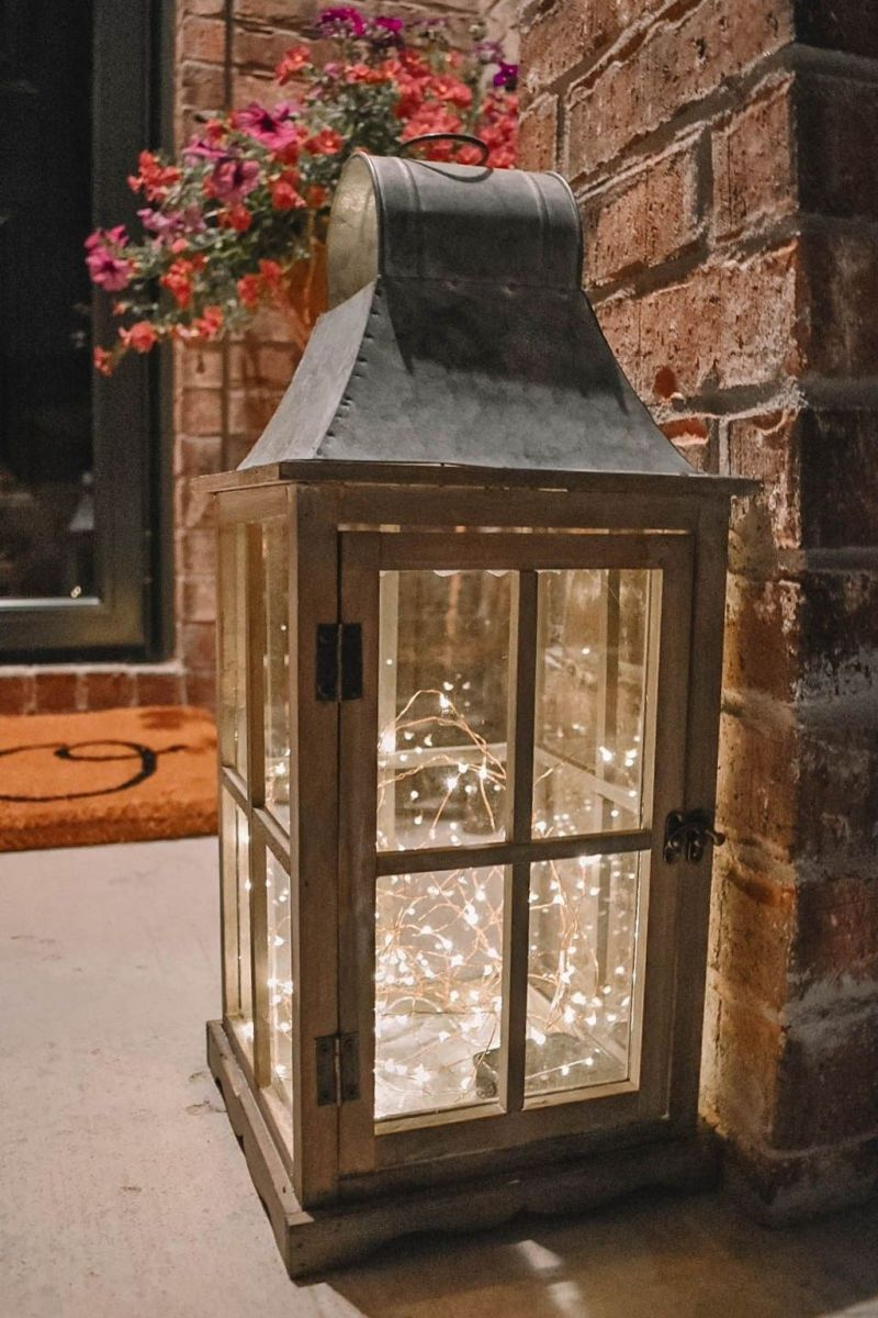 The Best Christmas Lanterns Outdoor Ideas Best For Front Porches 20