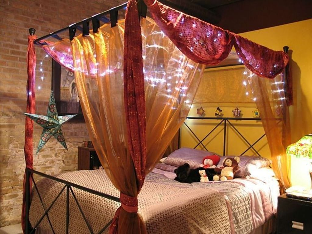 Awesome Romantic Bedroom Lighting Ideas You Will Love 04