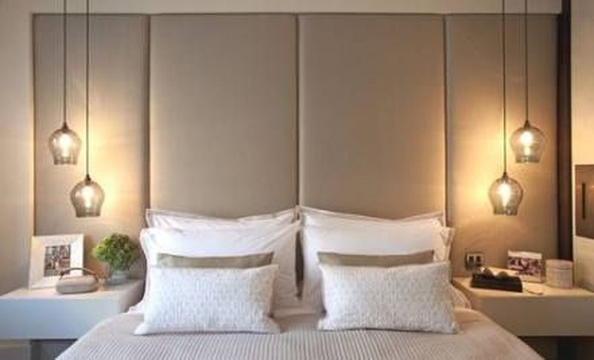Awesome Romantic Bedroom Lighting Ideas You Will Love 16