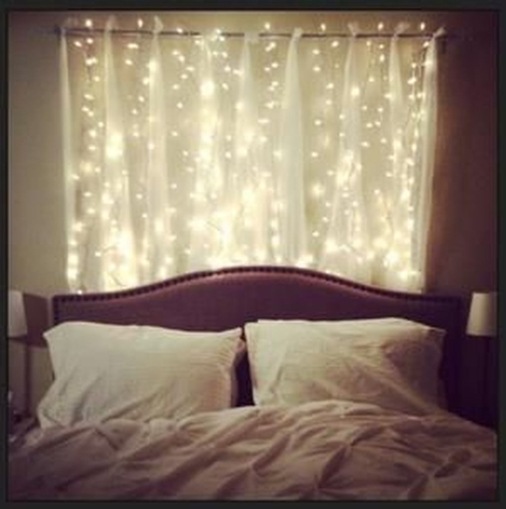 Awesome Romantic Bedroom Lighting Ideas You Will Love 29