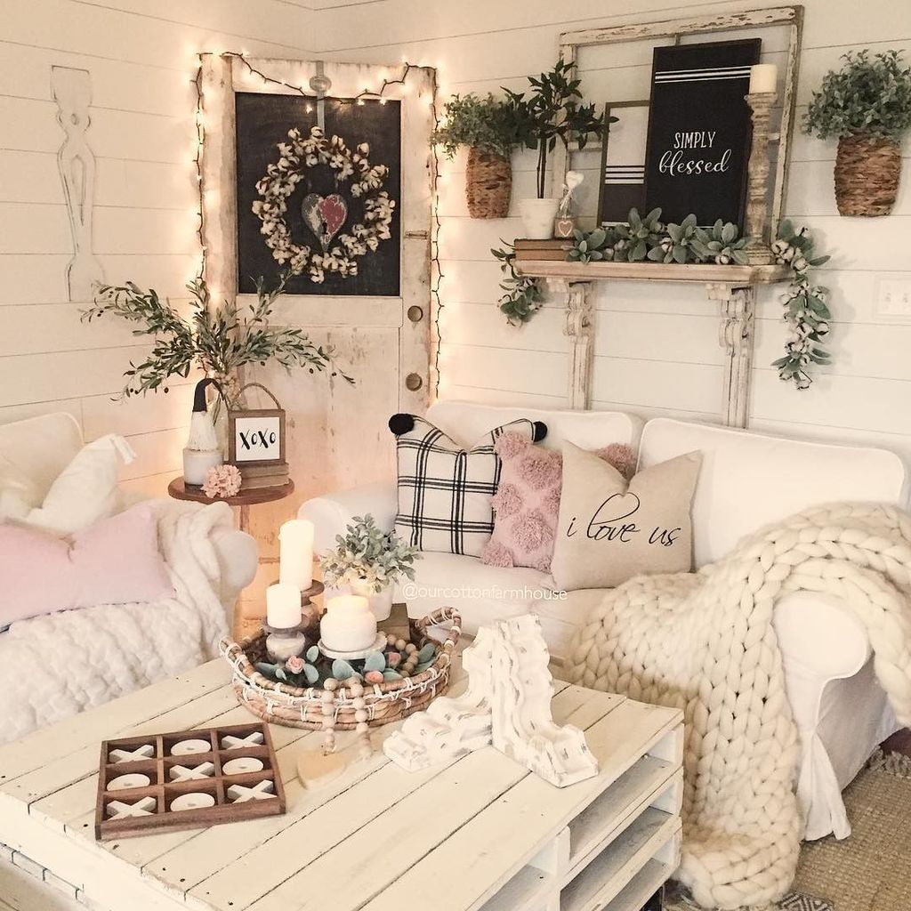 Beautiful Valentine Living Room Decor Ideas You Should Try 19