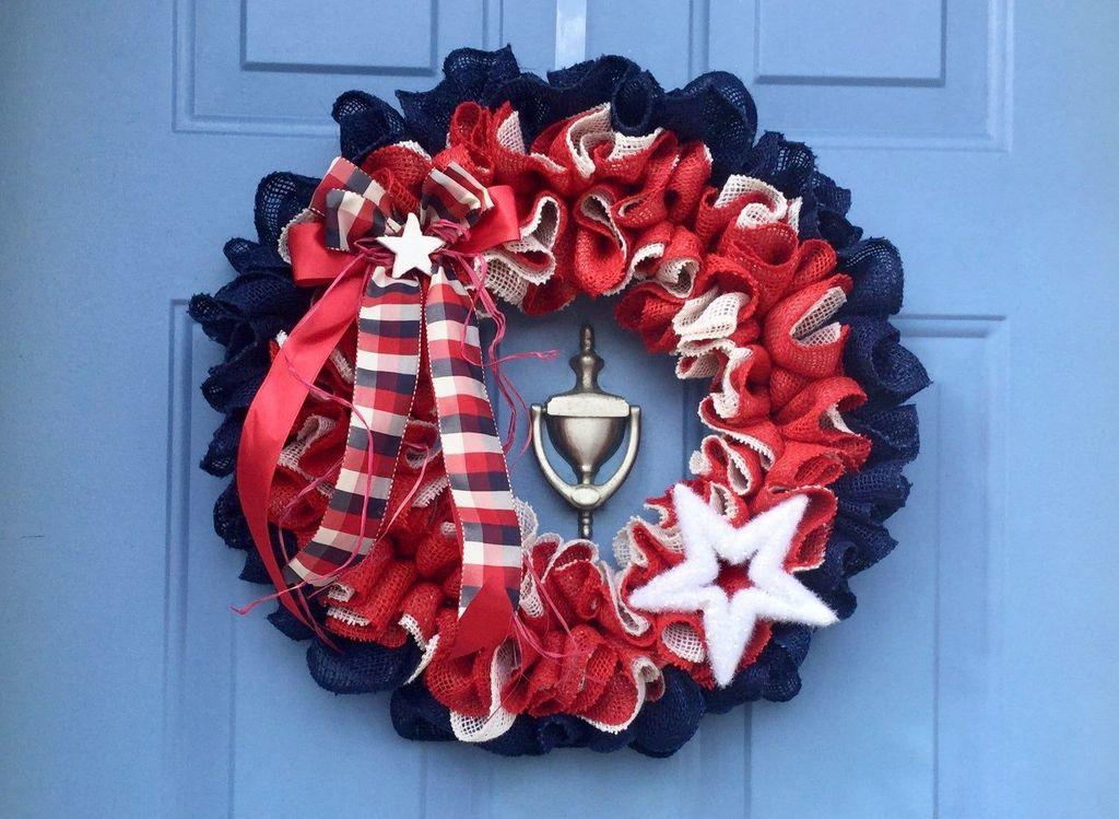 Fabulous Valentine Wreath Design Ideas FOr Your Front Door Decor 05