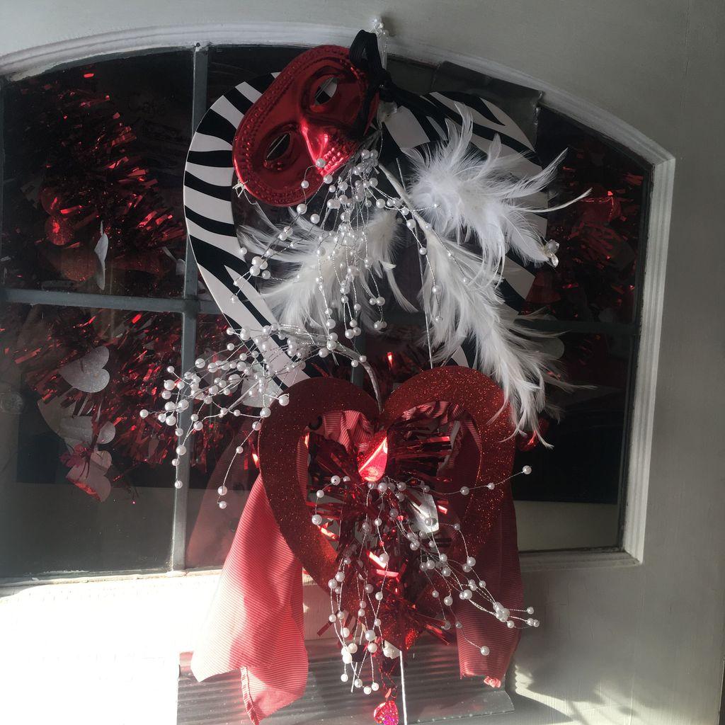Fabulous Valentine Wreath Design Ideas FOr Your Front Door Decor 07