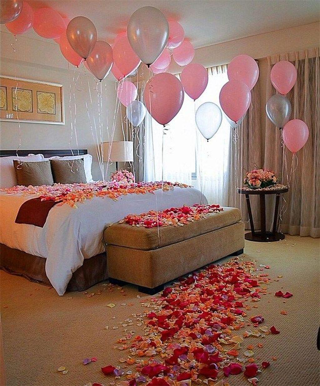 Gorgeous Romantic Valentine Bedroom Decoration Ideas 23