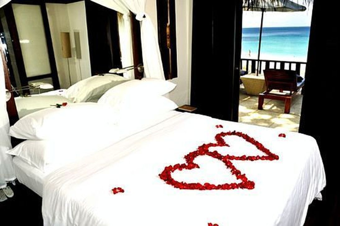 Gorgeous Romantic Valentine Bedroom Decoration Ideas 25