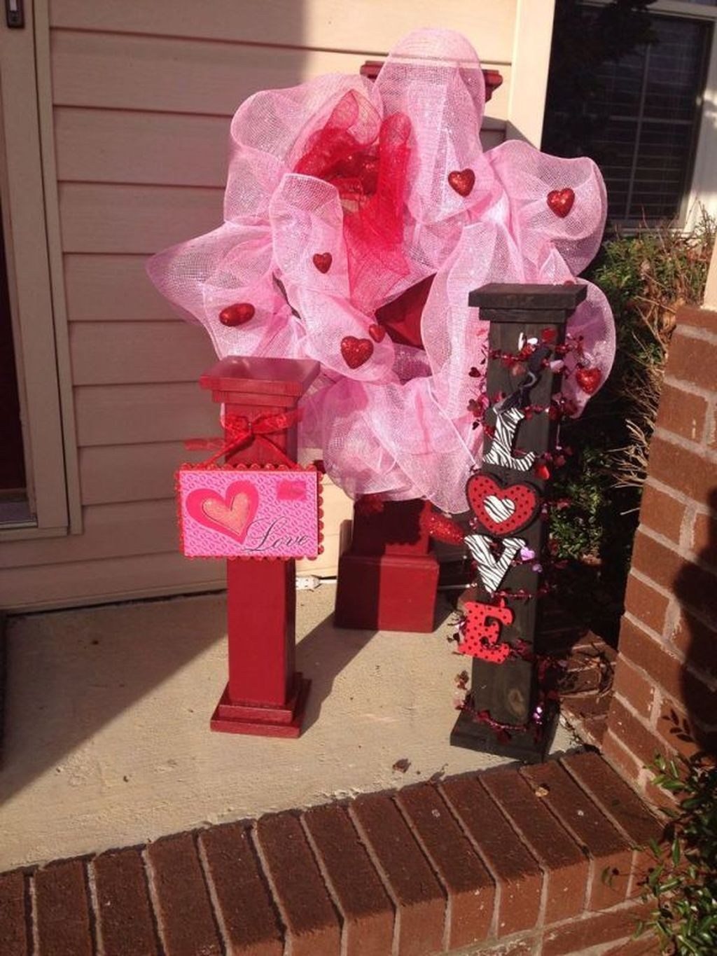 Inspiring Outdoor Valentine Decor Ideas That You Definitely Like 05