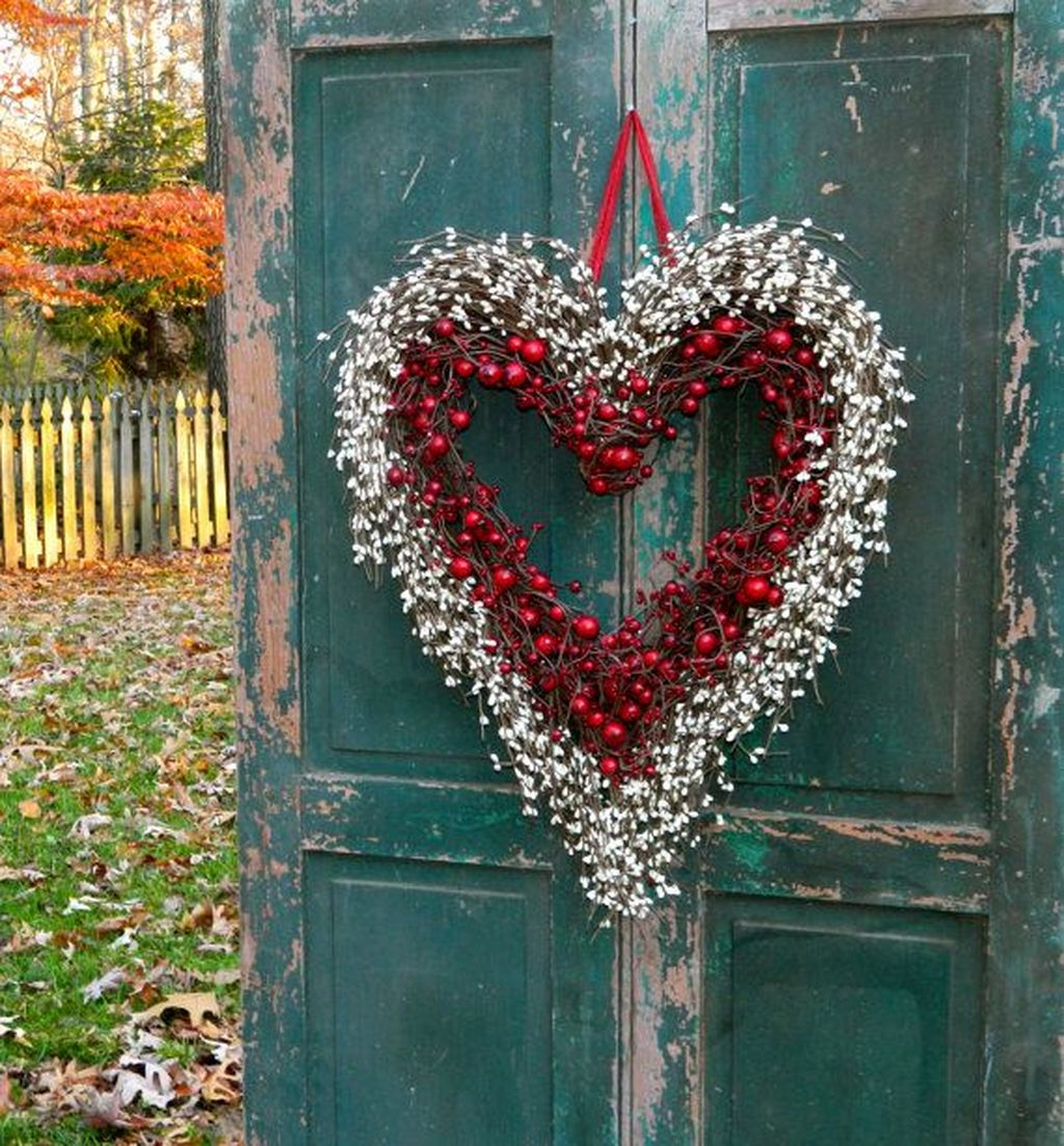 Inspiring Outdoor Valentine Decor Ideas That You Definitely Like 23