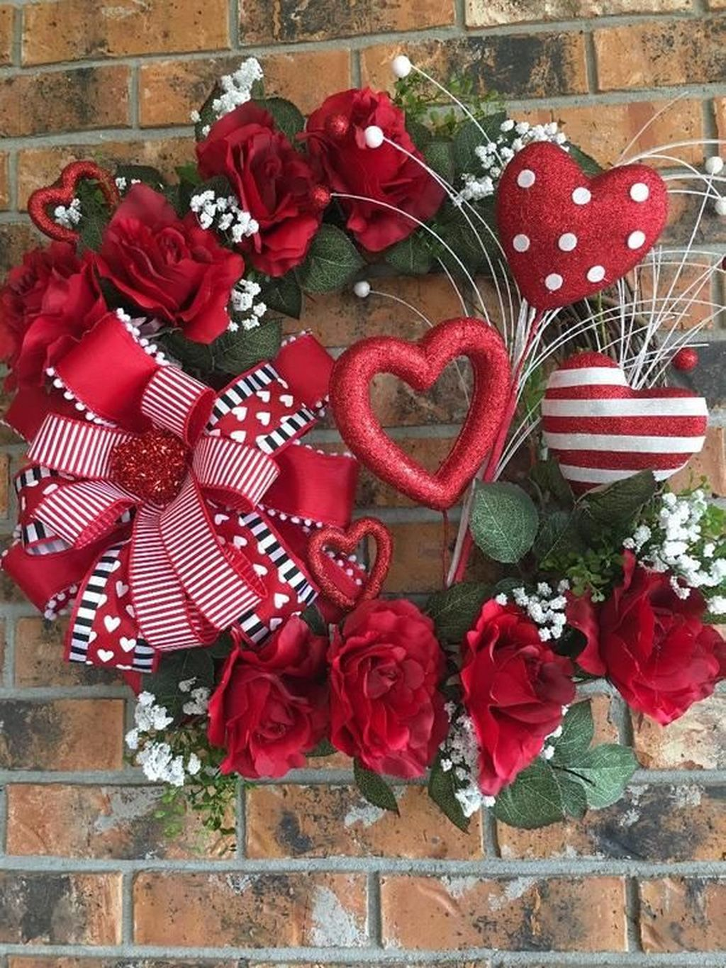 Inspiring Outdoor Valentine Decor Ideas That You Definitely Like 24