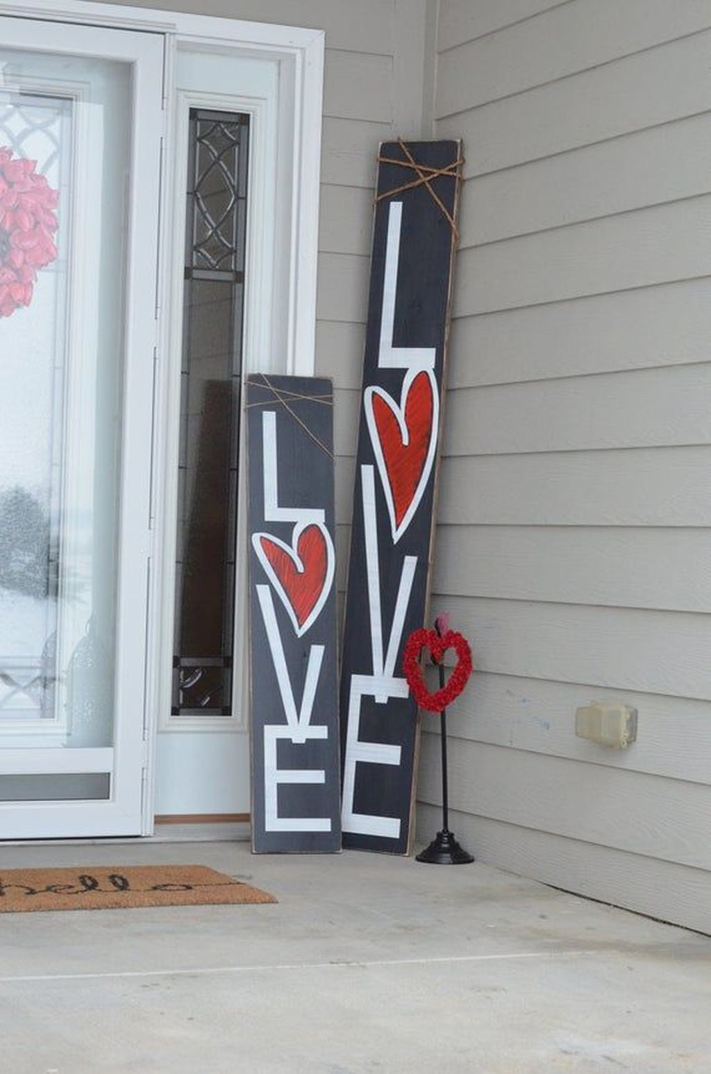 Inspiring Outdoor Valentine Decor Ideas That You Definitely Like 25