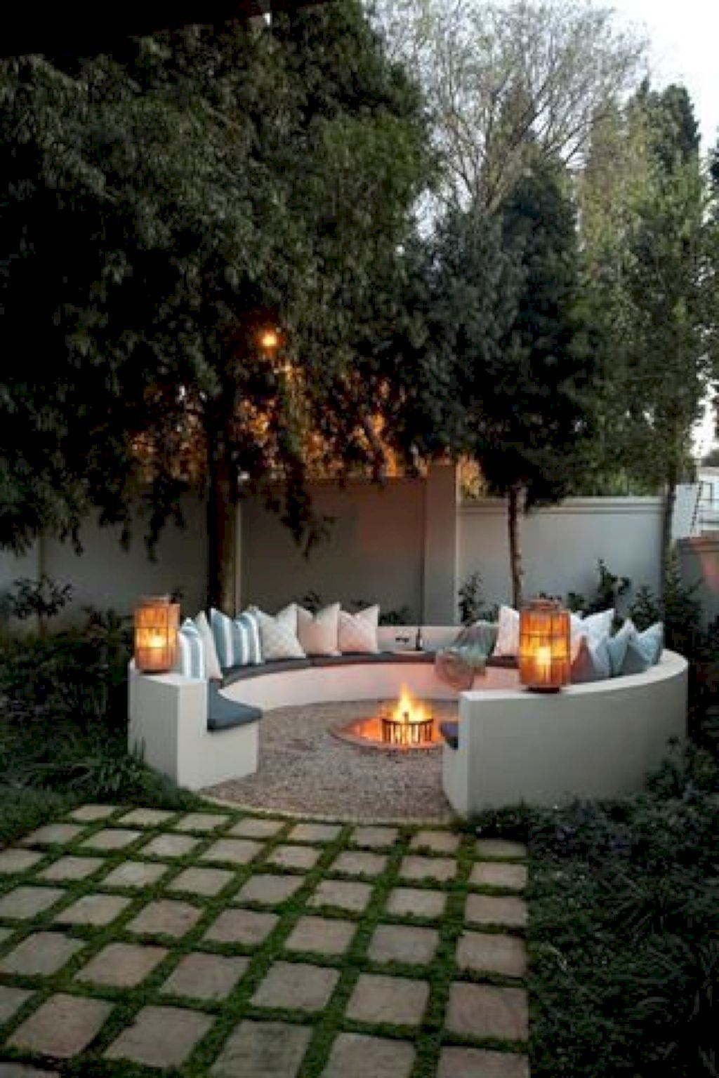 The Best Romantic Backyard Decorating Ideas 06