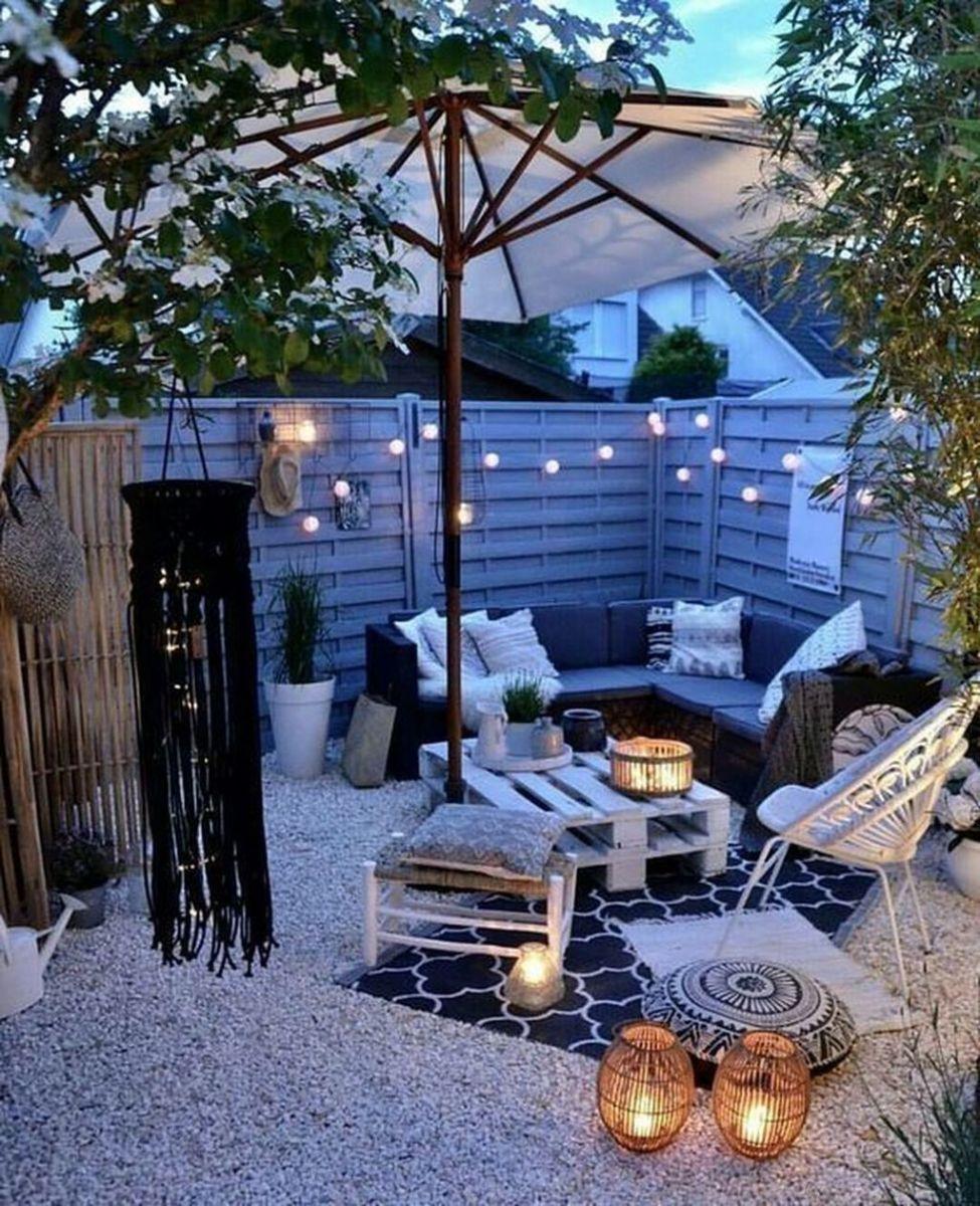 The Best Romantic Backyard Decorating Ideas 26