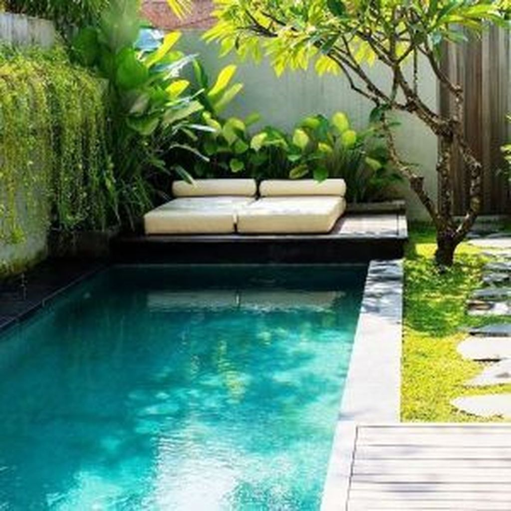 Beautiful Small Pool Backyard Landscaping Ideas Best For Spring And Summertime 04