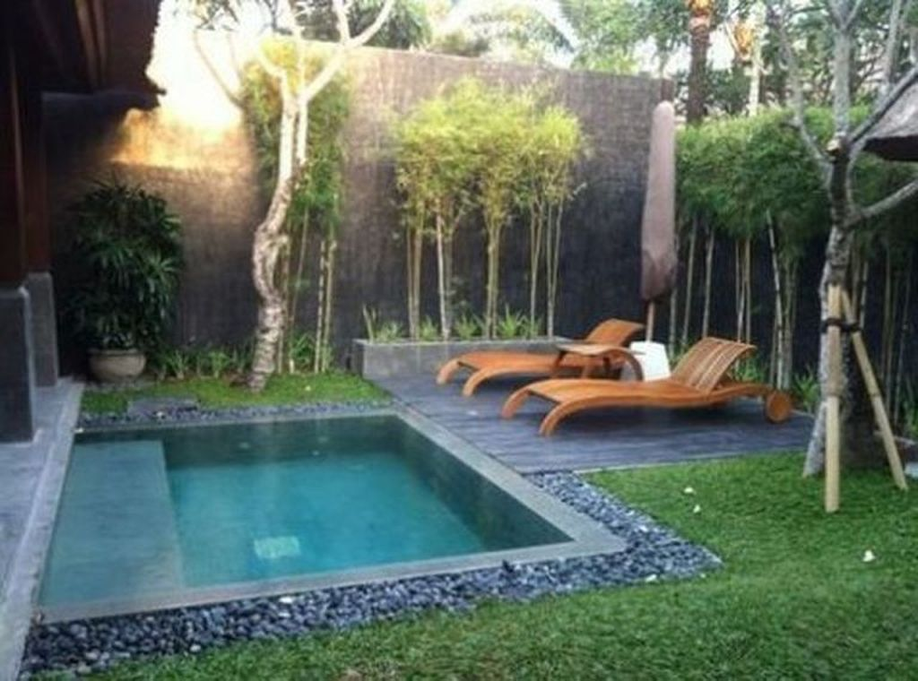 Beautiful Small Pool Backyard Landscaping Ideas Best For Spring And Summertime 18