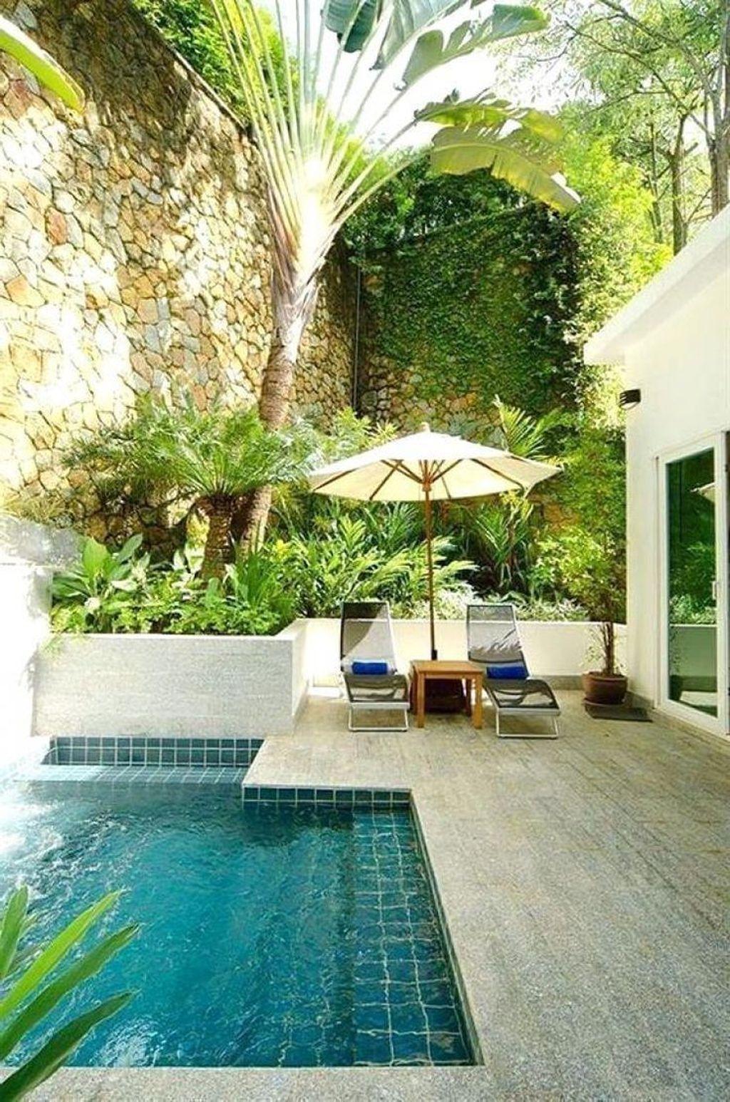 Beautiful Small Pool Backyard Landscaping Ideas Best For Spring And Summertime 19