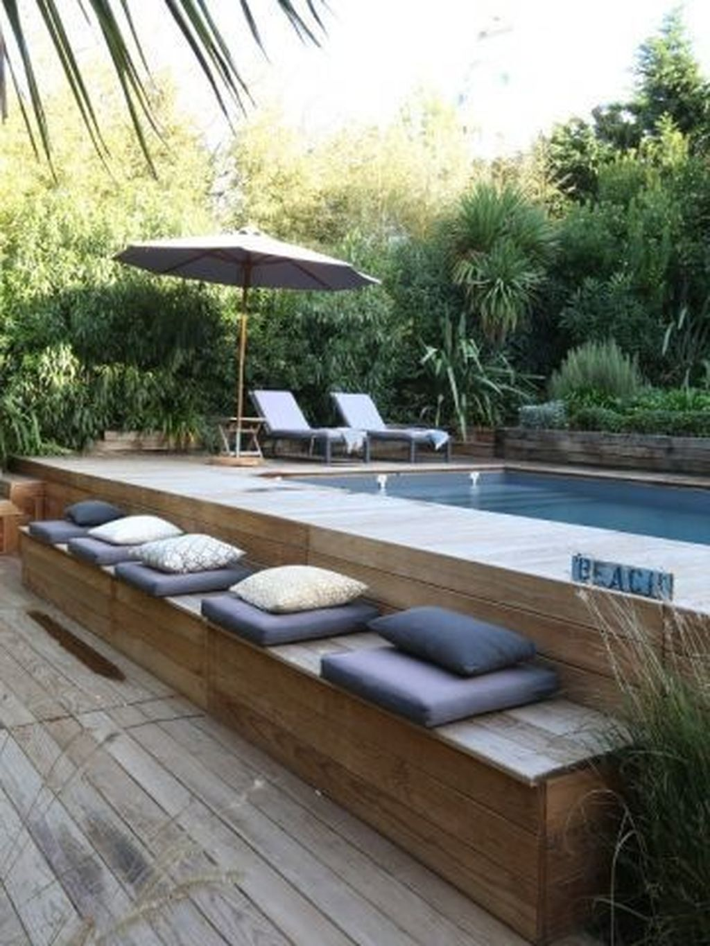 Beautiful Small Pool Backyard Landscaping Ideas Best For Spring And Summertime 28