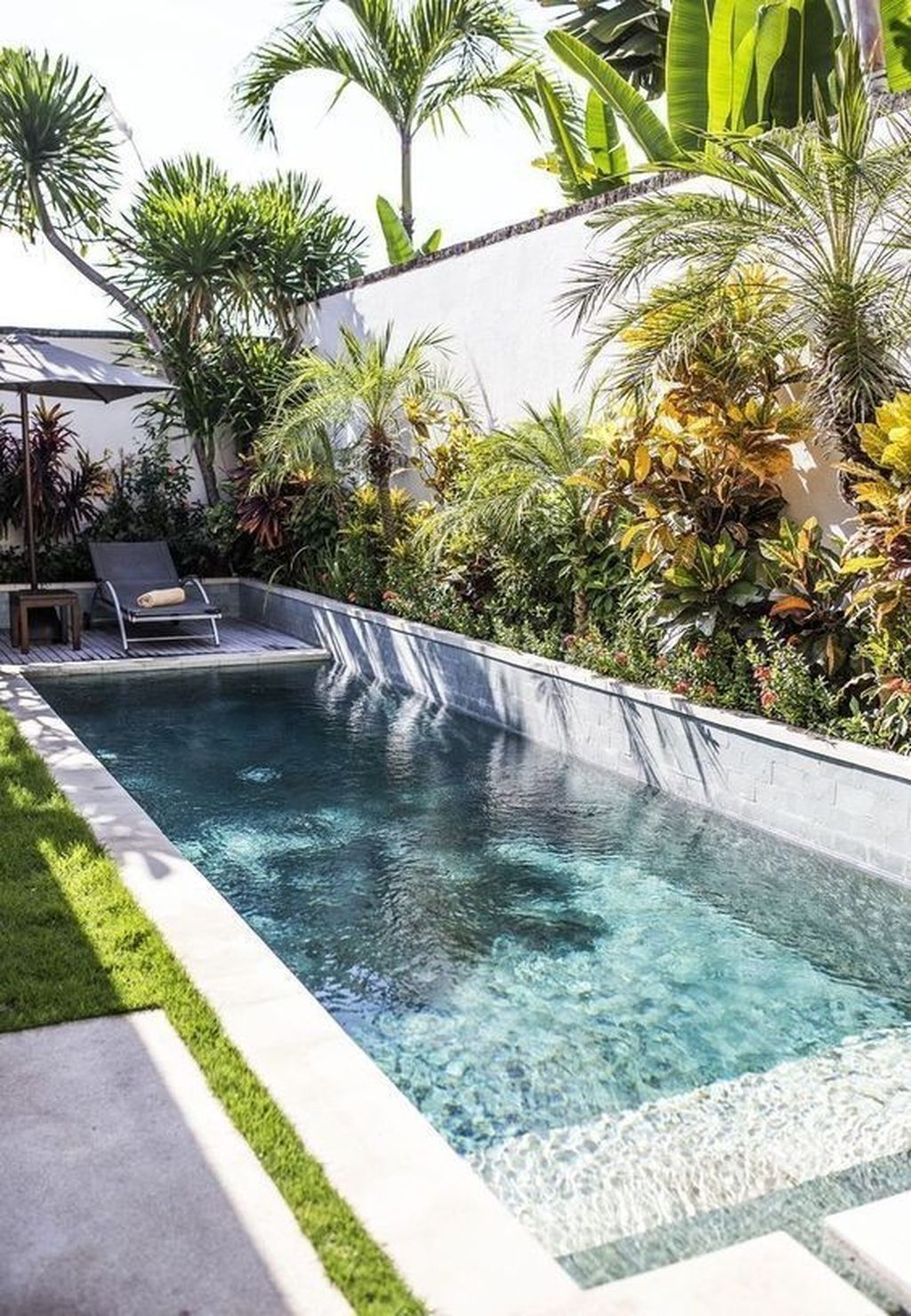 Beautiful Small Pool Backyard Landscaping Ideas Best For Spring And Summertime 35