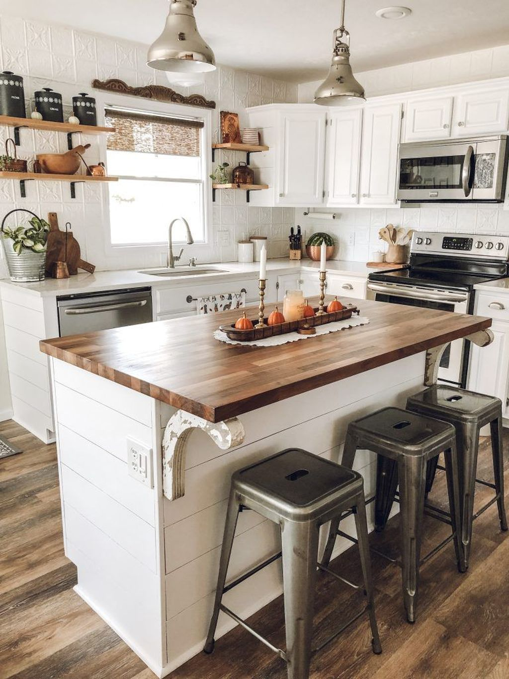 Popular Traditional Kitchen Ideas With Farmhouse Style 34