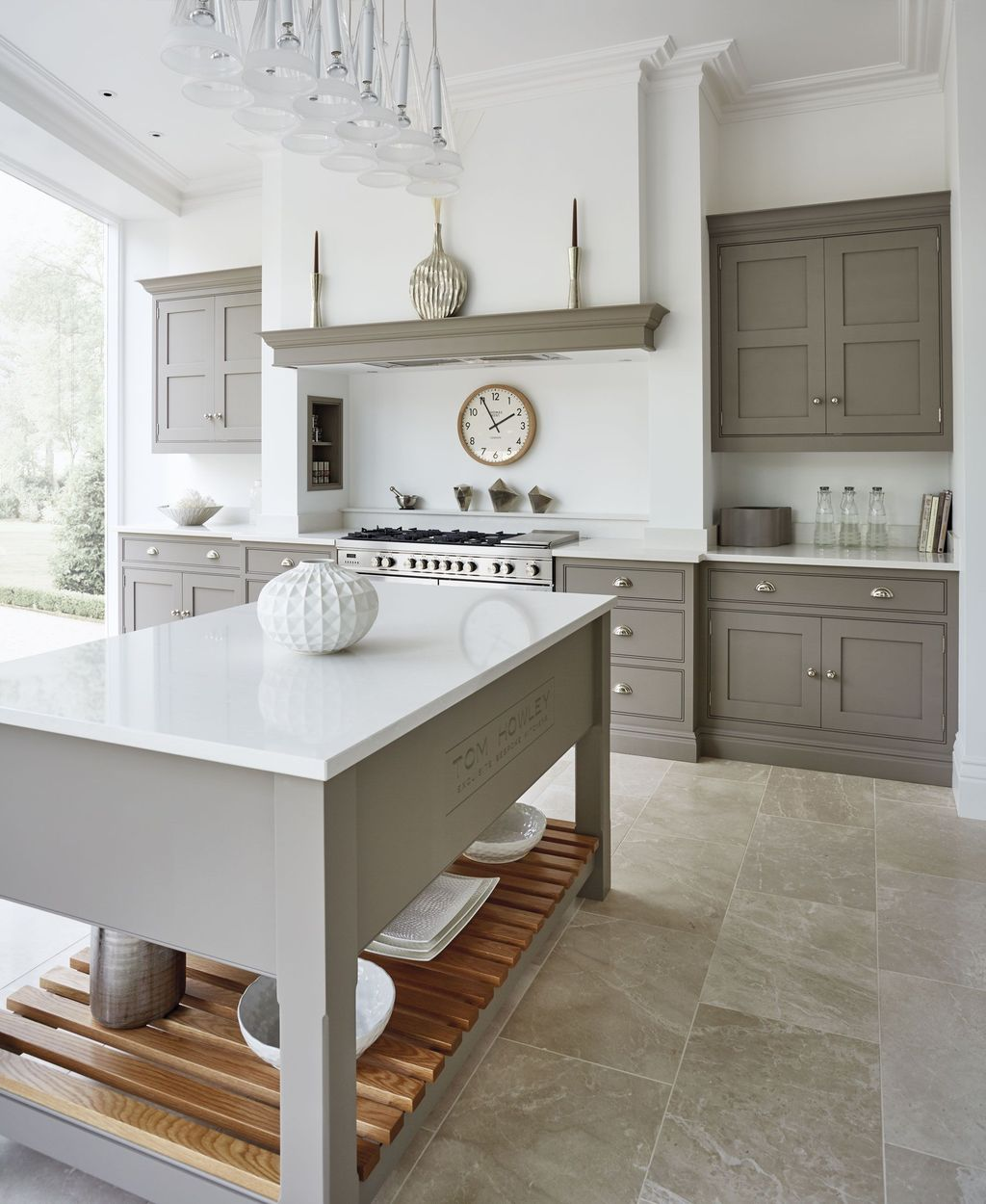 Stunning Grey And White Kitchen Color Ideas Match With Any Kitchen Design 12