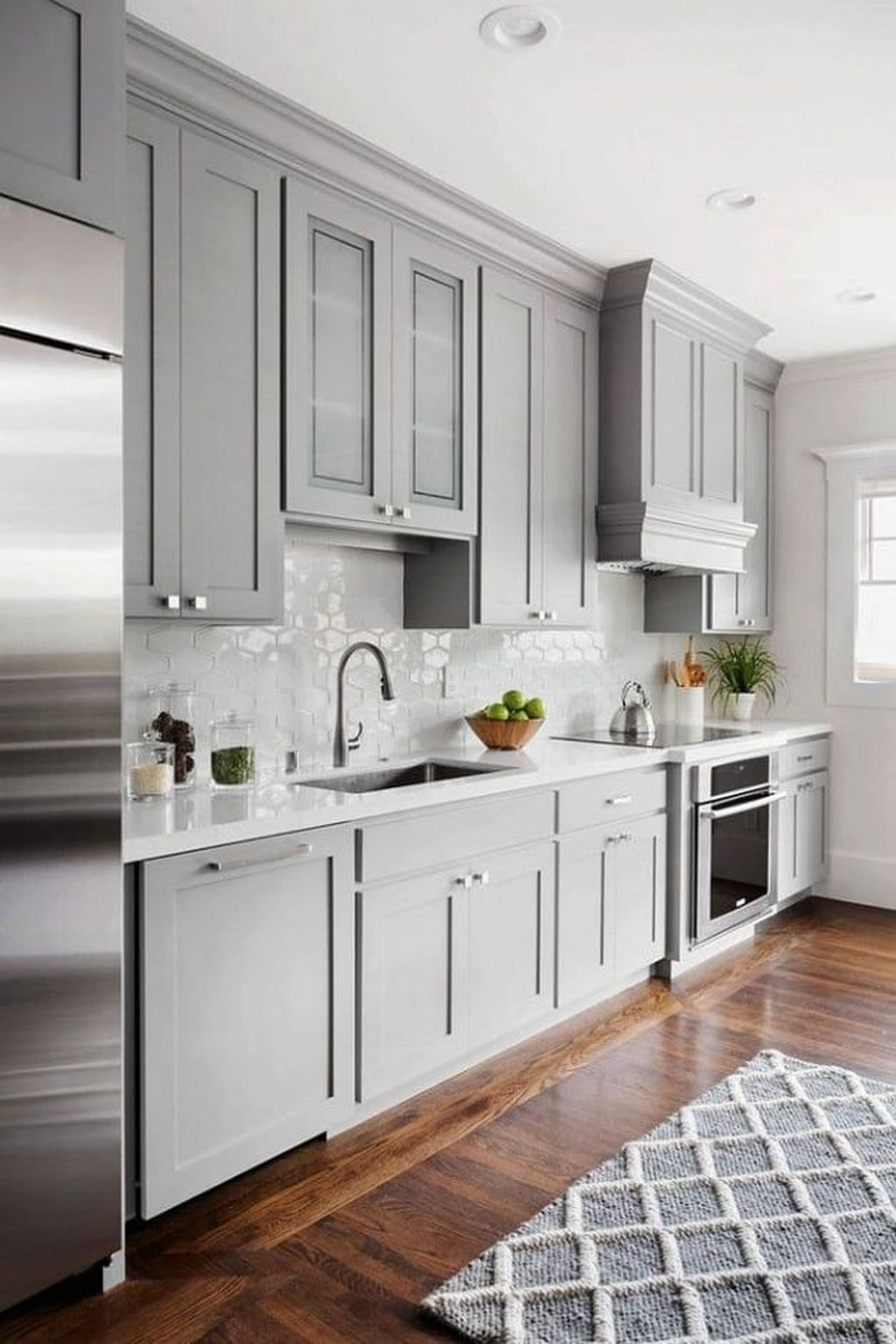 Stunning Grey And White Kitchen Color Ideas Match With Any Kitchen Design 21