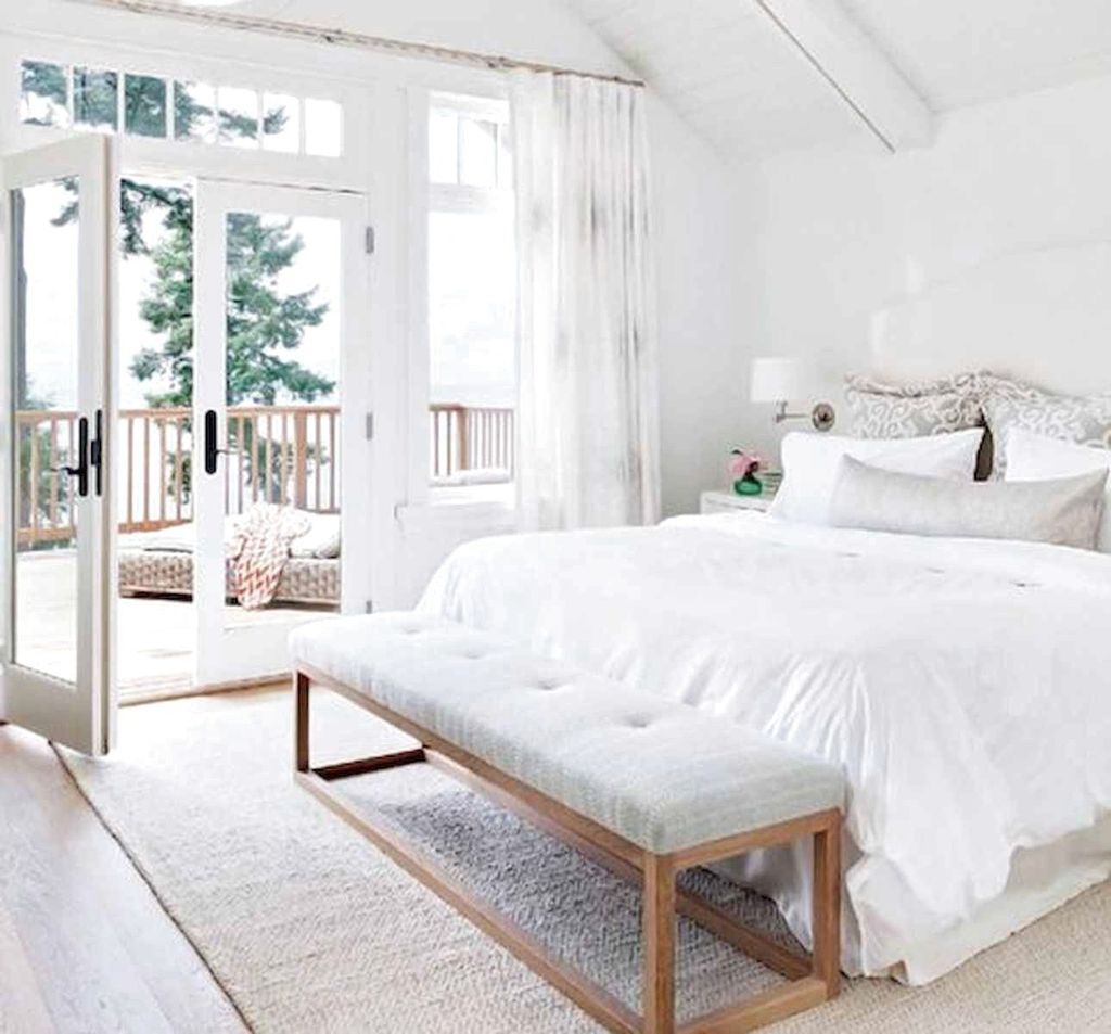 Beautiful White Master Bedroom Decorating Ideas 22