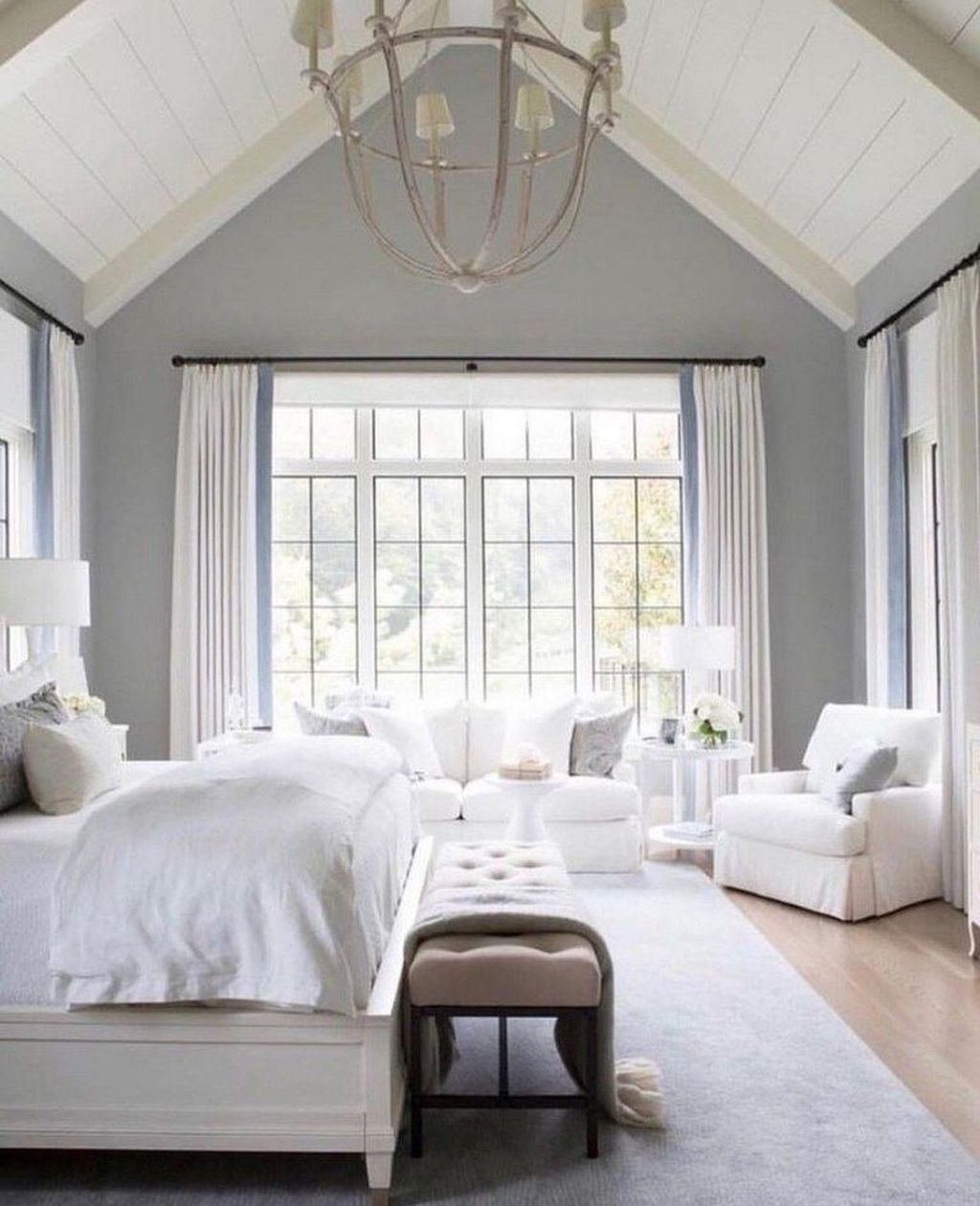 Beautiful White Master Bedroom Decorating Ideas 27