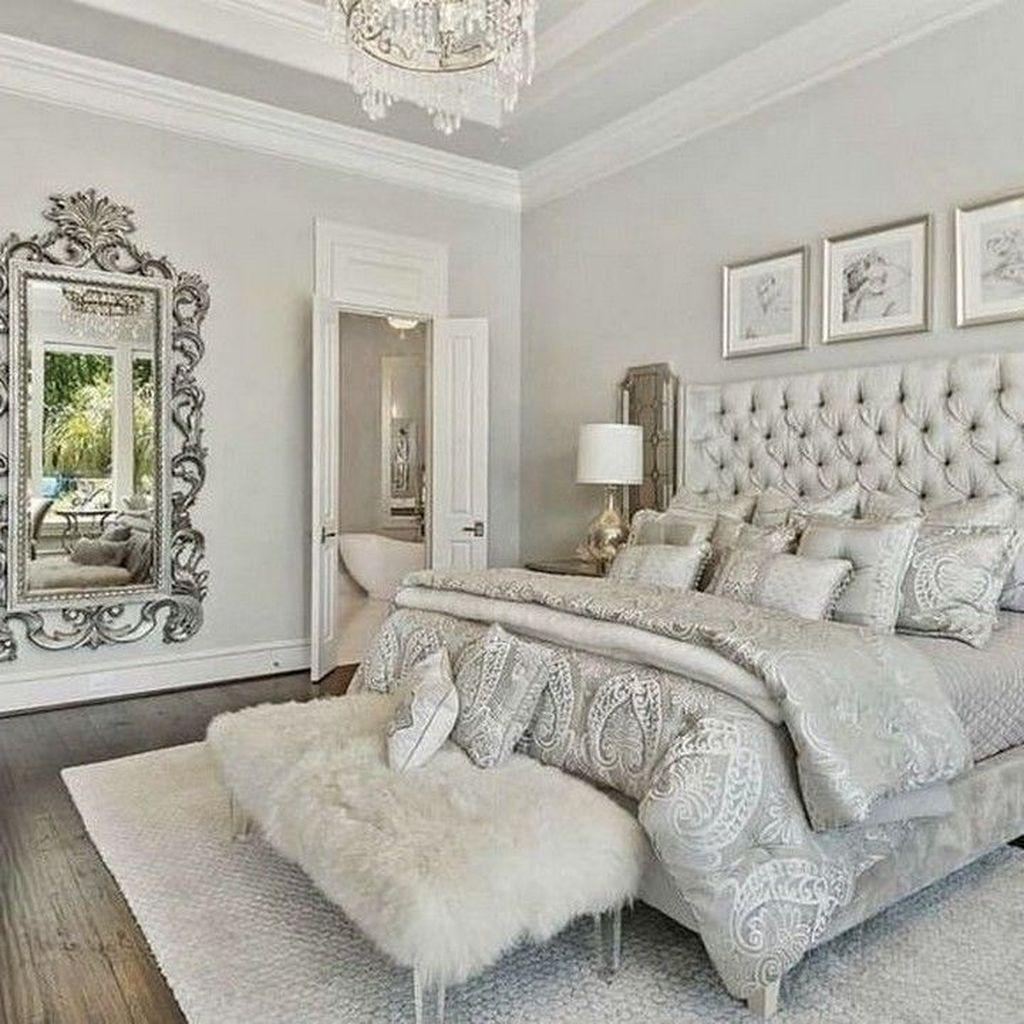 Beautiful White Master Bedroom Decorating Ideas 30
