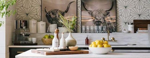 Fabulous Black And White Wood Kitchen Design Ideas 10