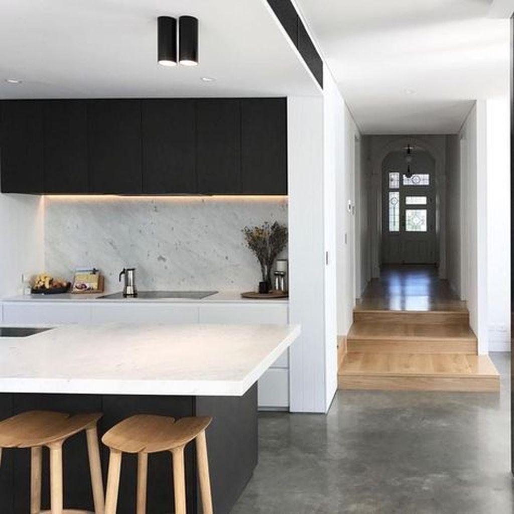 Fabulous Black And White Wood Kitchen Design Ideas 14