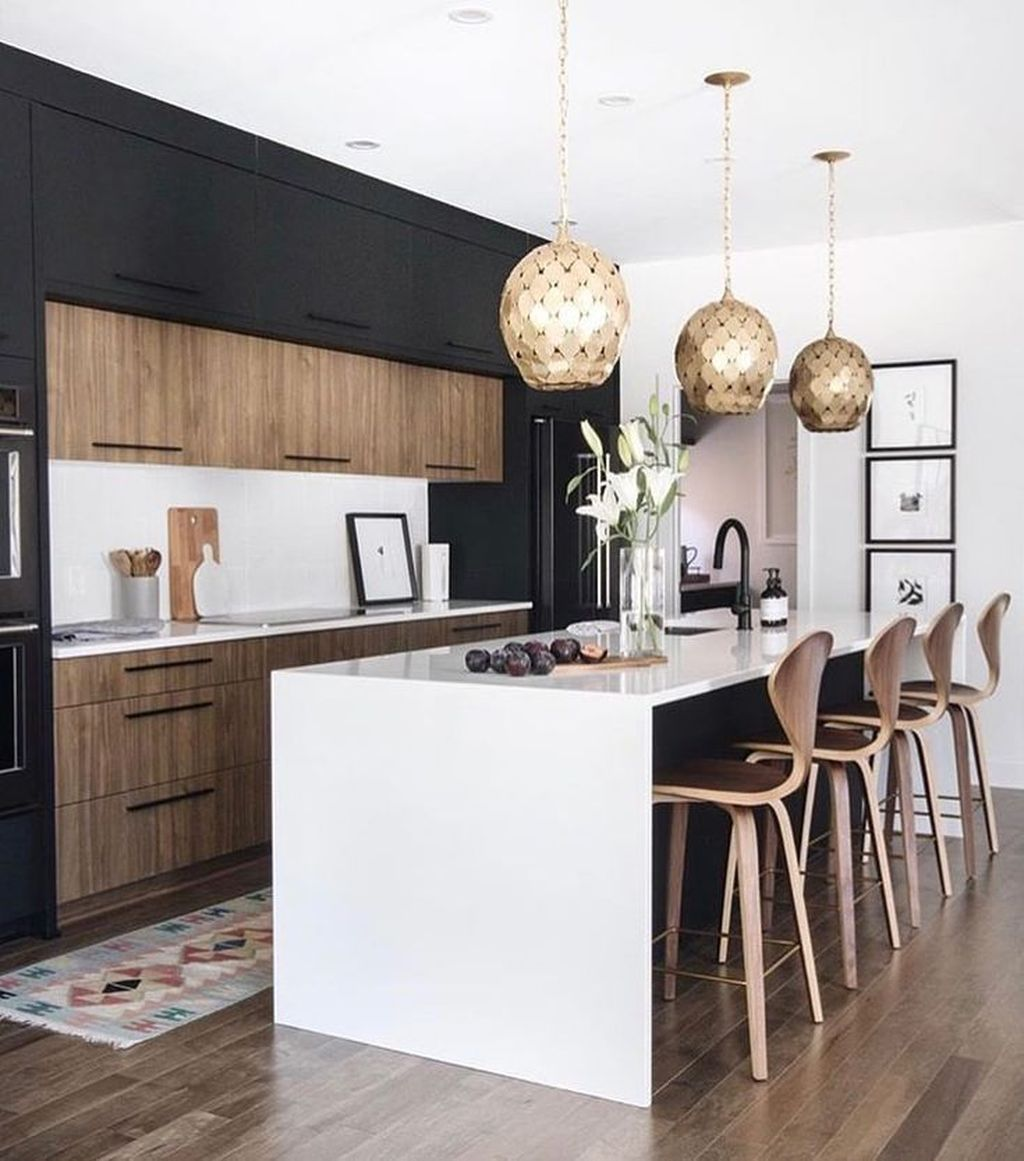 Fabulous Black And White Wood Kitchen Design Ideas 15