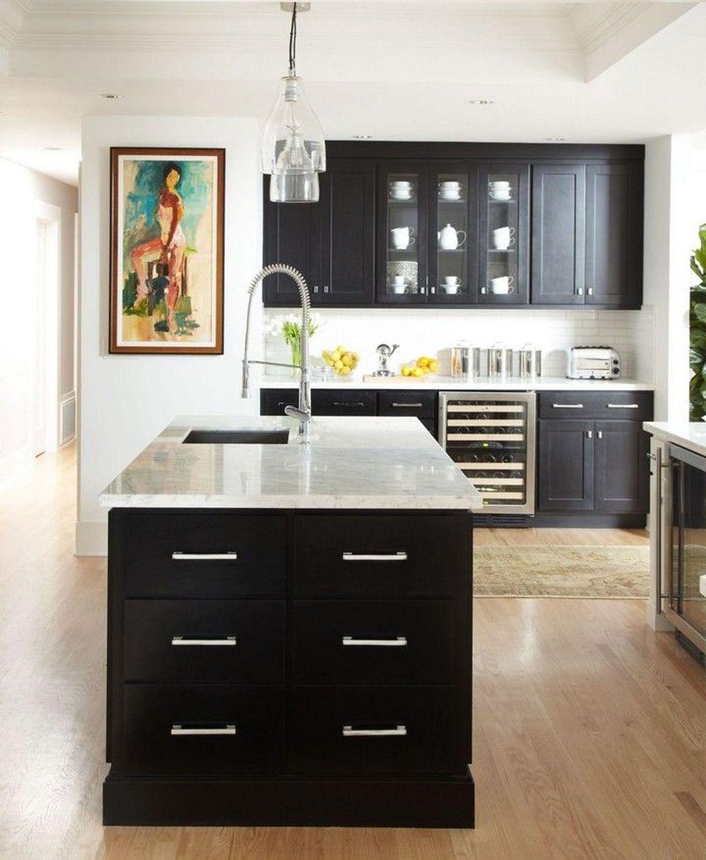 Fabulous Black And White Wood Kitchen Design Ideas 26