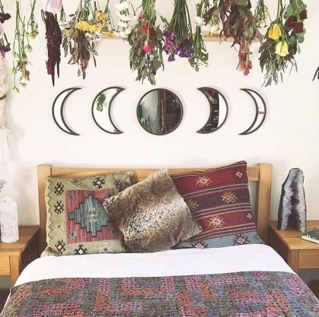 Gorgeous Bohemian Bedroom Decor Ideas You Can Try 22