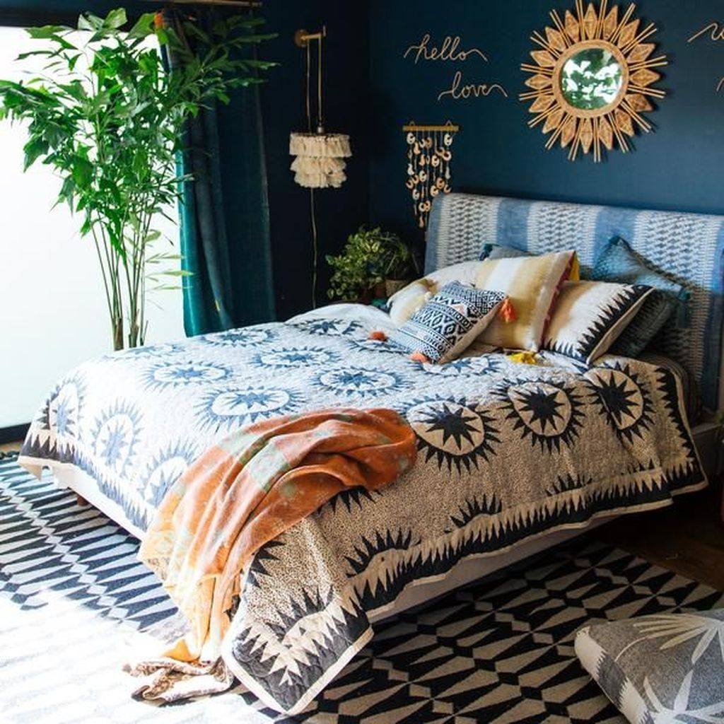 Gorgeous Bohemian Bedroom Decor Ideas You Can Try 27