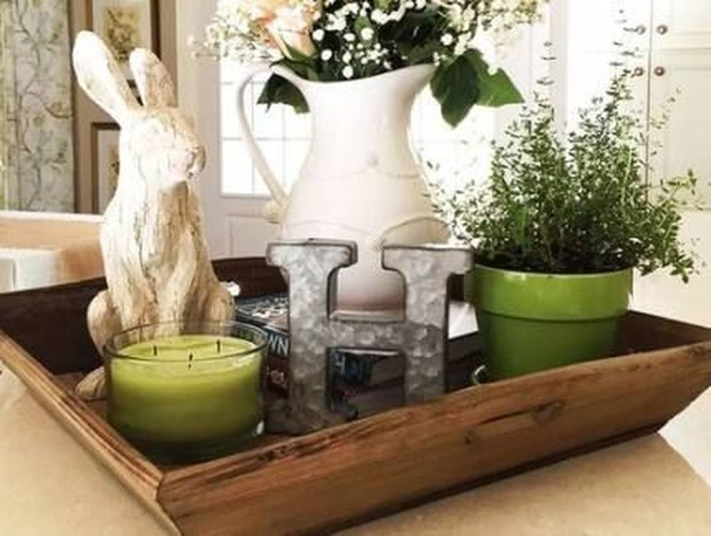 Gorgeous Spring Centerpieces Ideas For Dining Room Decor 12