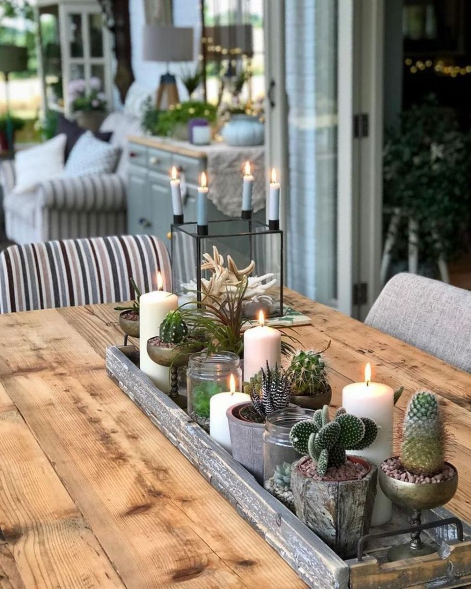 Gorgeous Spring Centerpieces Ideas For Dining Room Decor 15