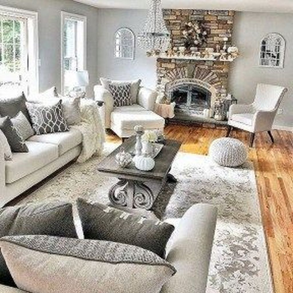 Inspiring Beachy Farmhouse Living Room Decor Ideas 02