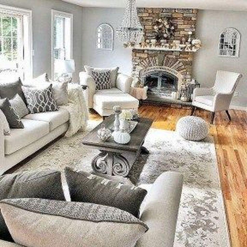 Inspiring Beachy Farmhouse Living Room Decor Ideas 02