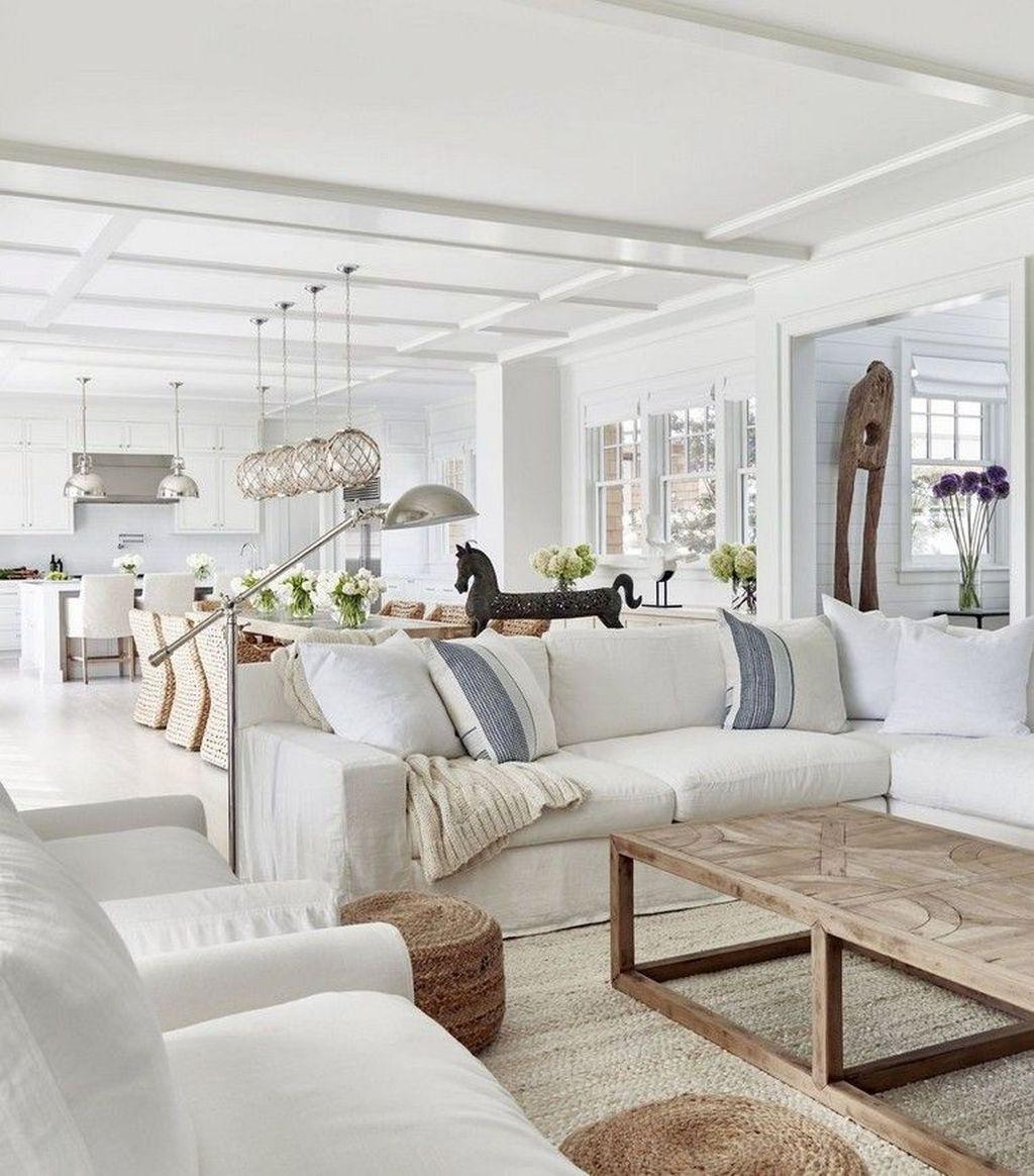 Inspiring Beachy Farmhouse Living Room Decor Ideas 09