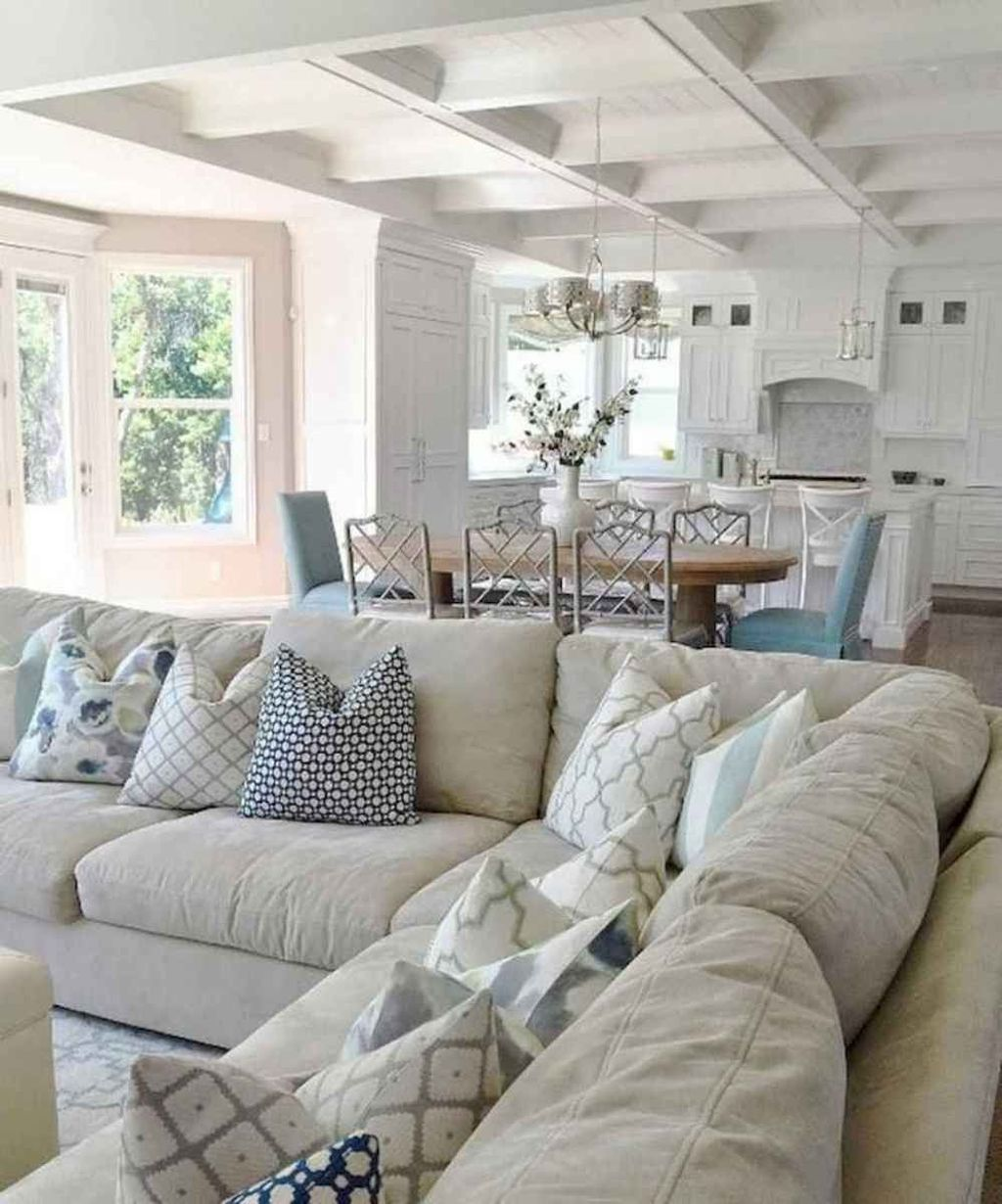 Inspiring Beachy Farmhouse Living Room Decor Ideas 25