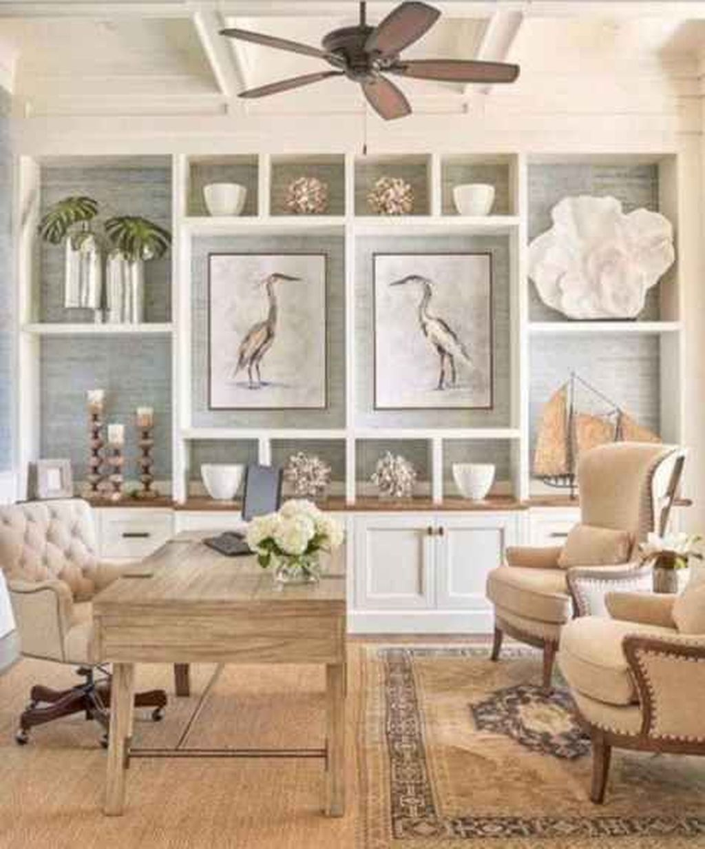 Inspiring Beachy Farmhouse Living Room Decor Ideas 34
