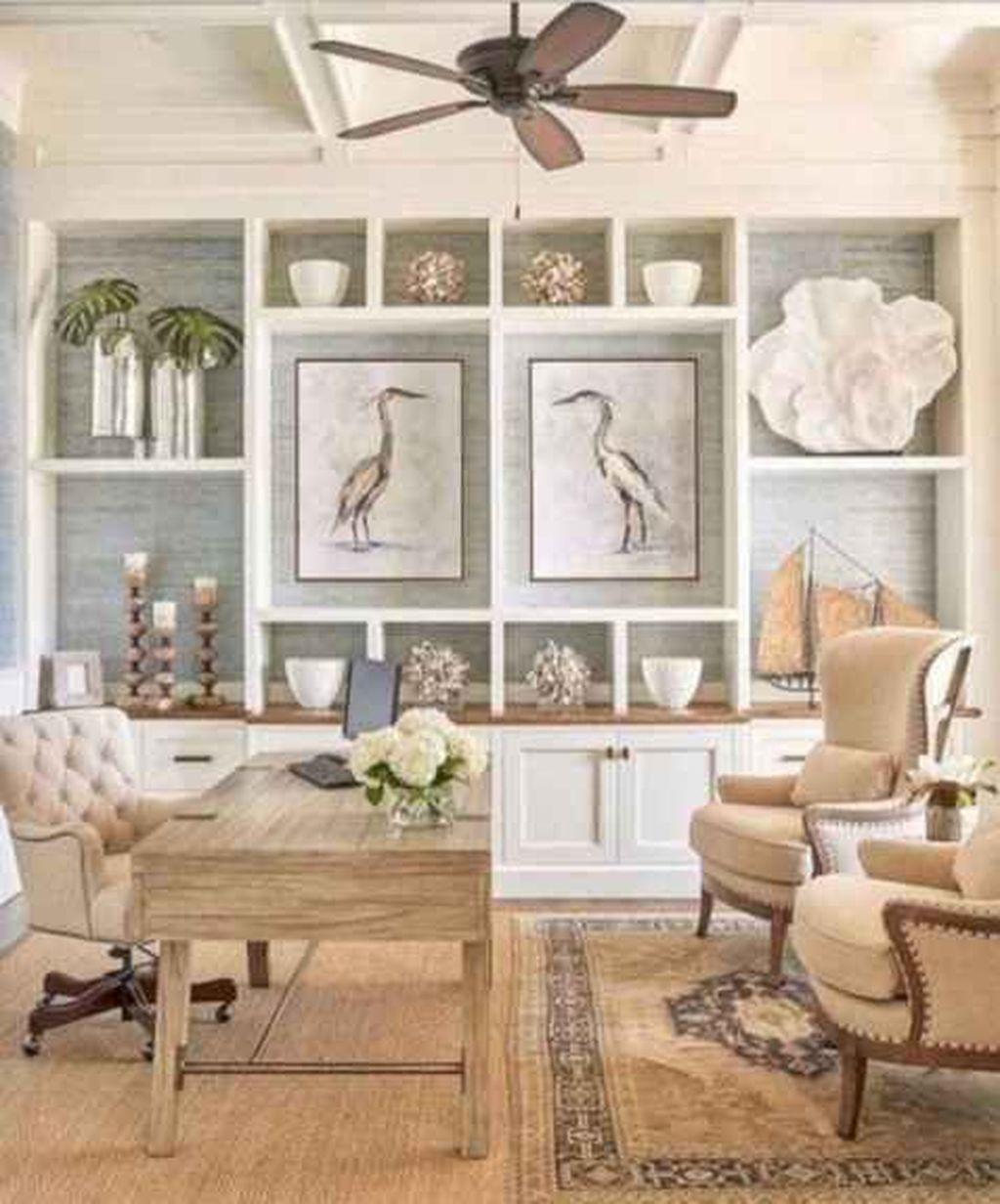 Inspiring Beachy Farmhouse Living Room Decor Ideas 34