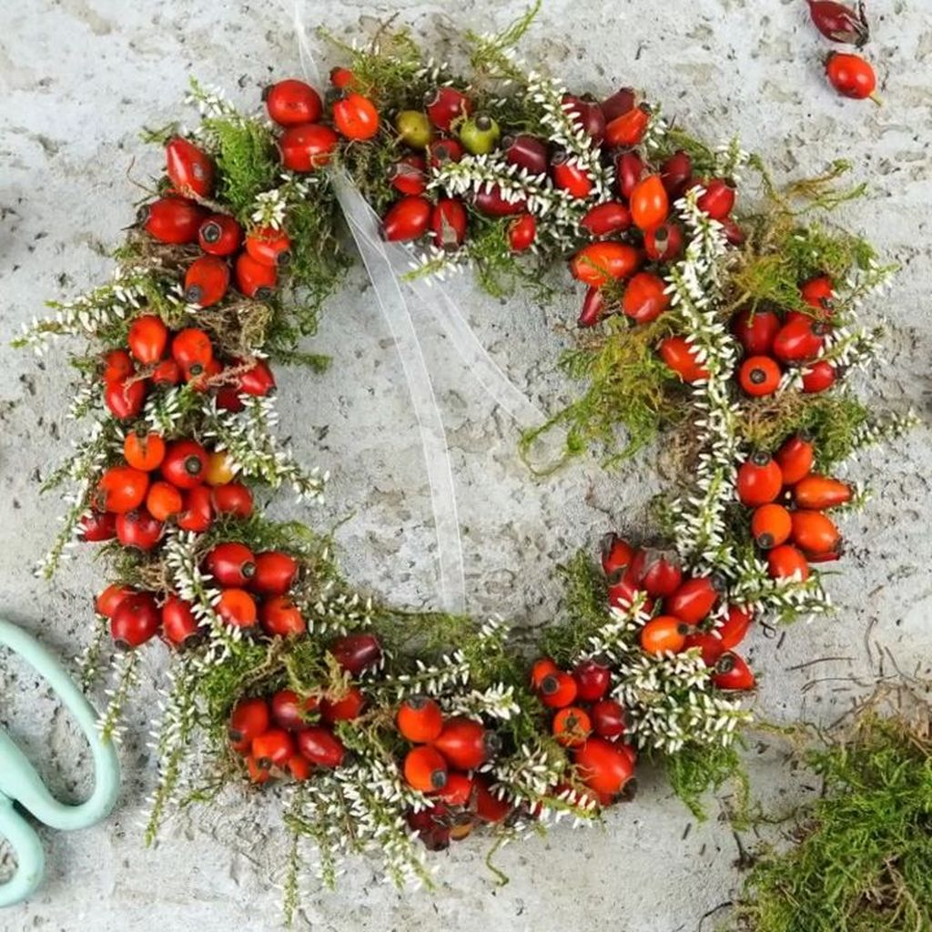 Inspiring Spring Door Wreaths For Your Home Decoration 23
